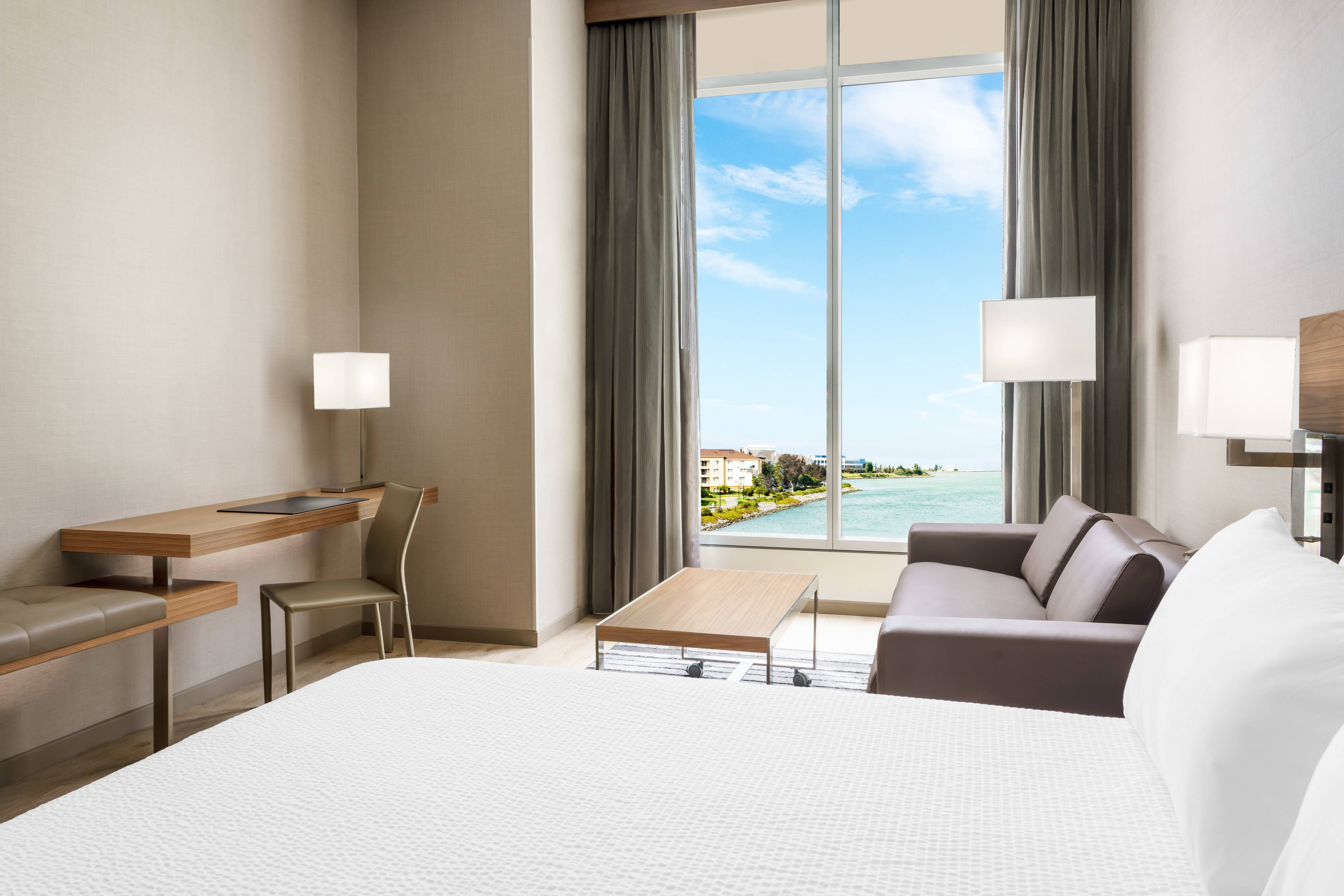 Hotel on the San Francisco Bay Designs Rooms with Style, Comfort ...