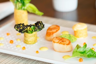 Seared Scallop with Salmon Caviar