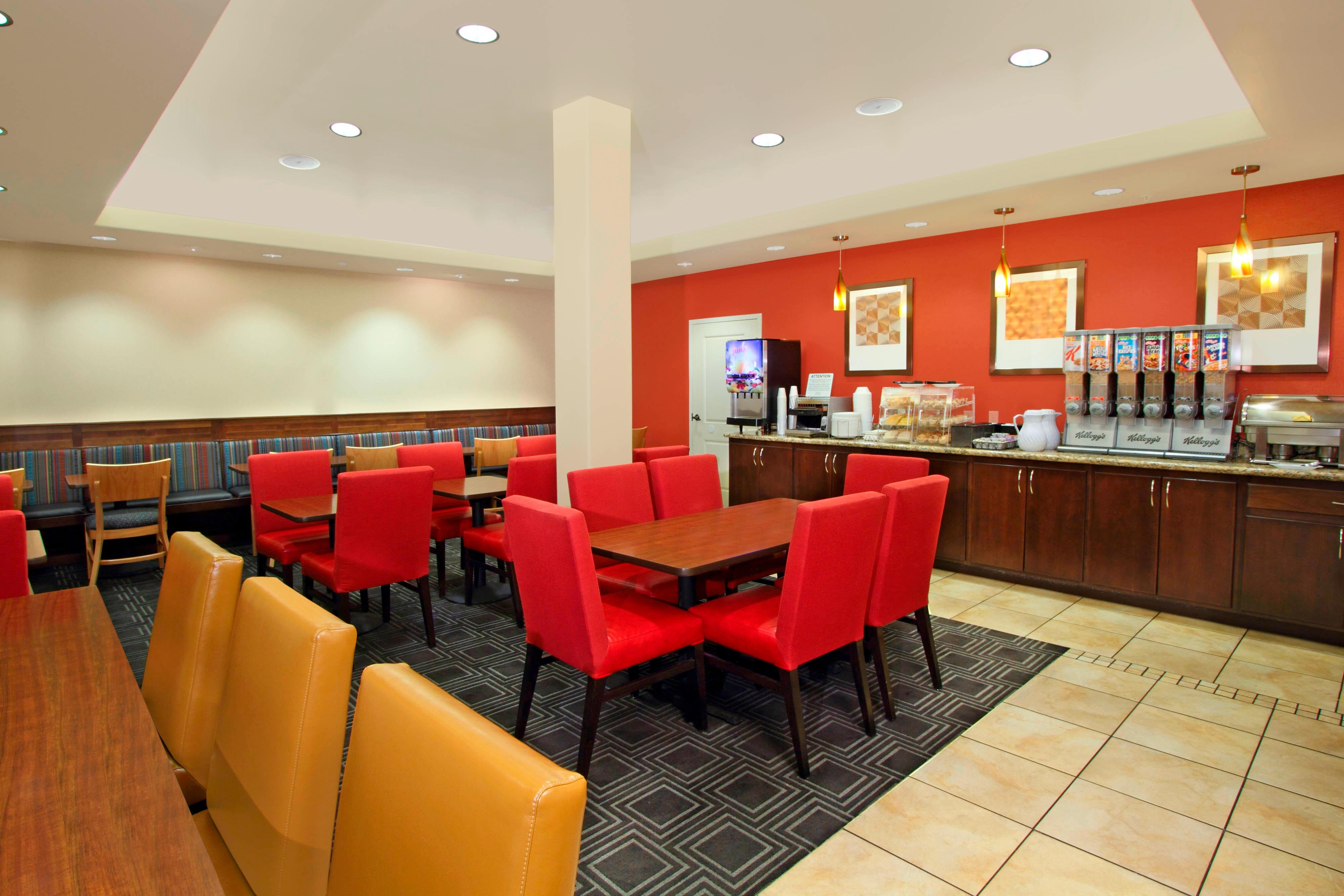 TPS St. George, Utah - Complimentary Hot Breakfast