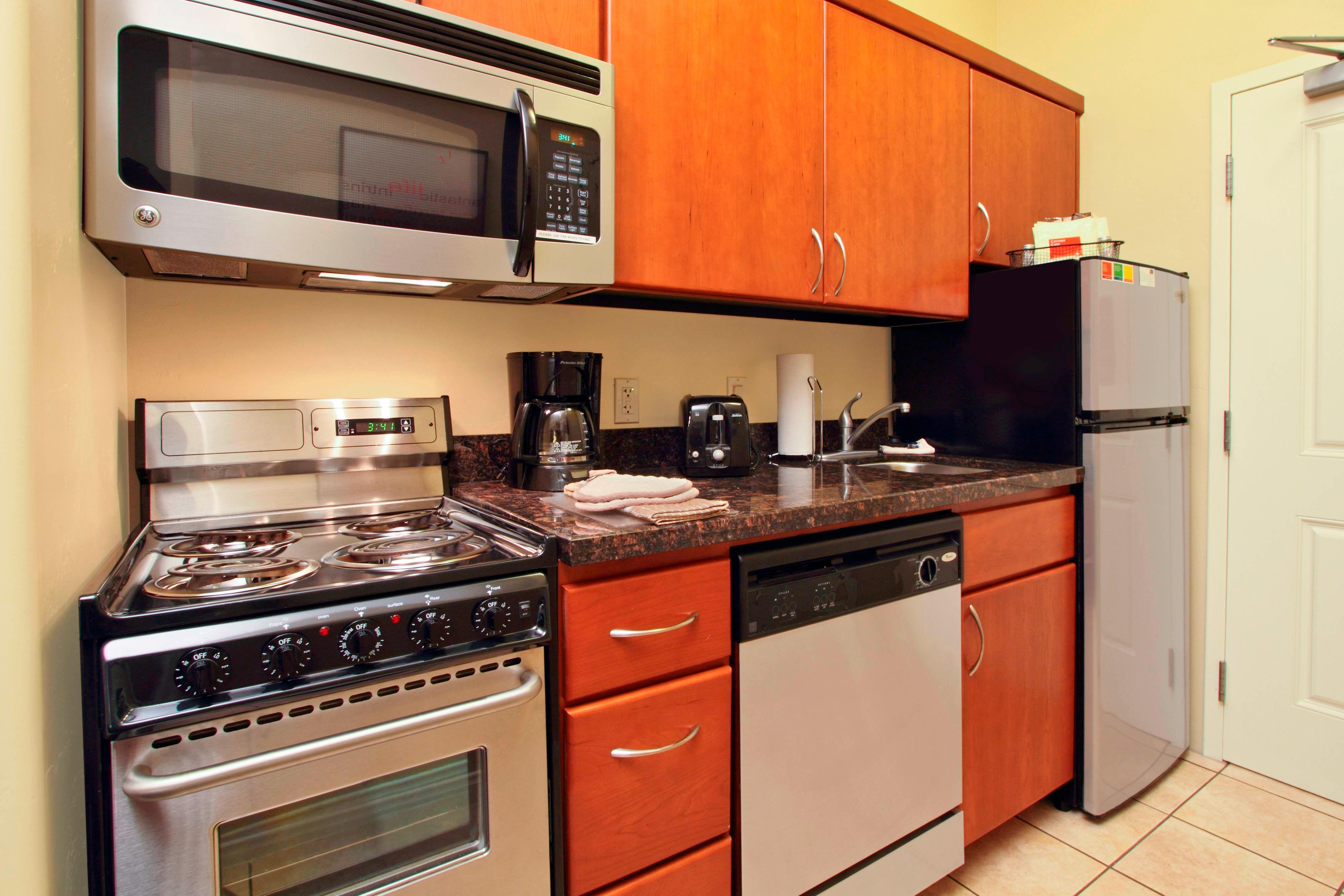 TPS St. George, Utah Studio Queen/Queen Suite Kitchen