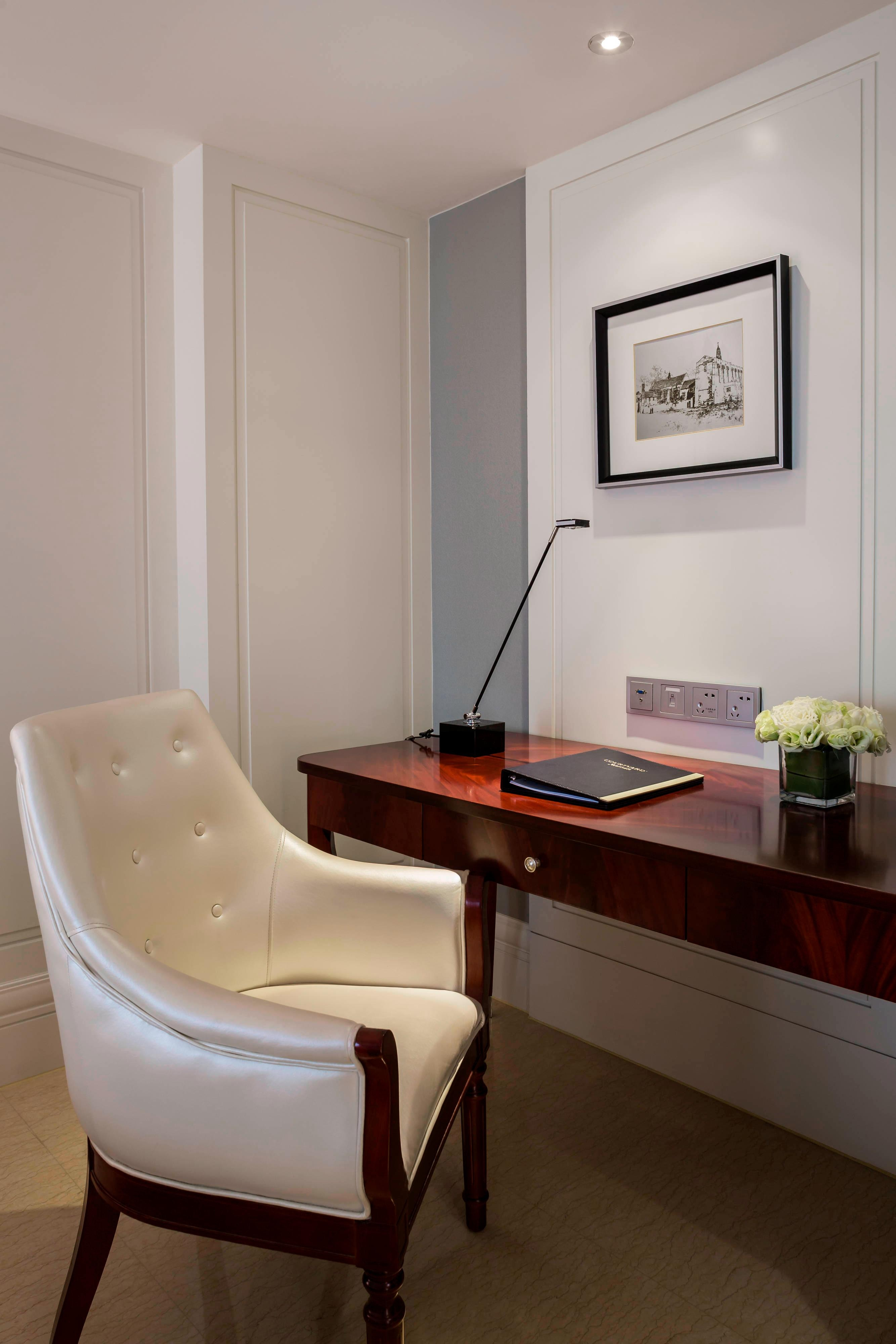 Deluxe-Gästezimmer – Schreibtisch