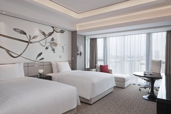Shanghai downtown hotel, park view