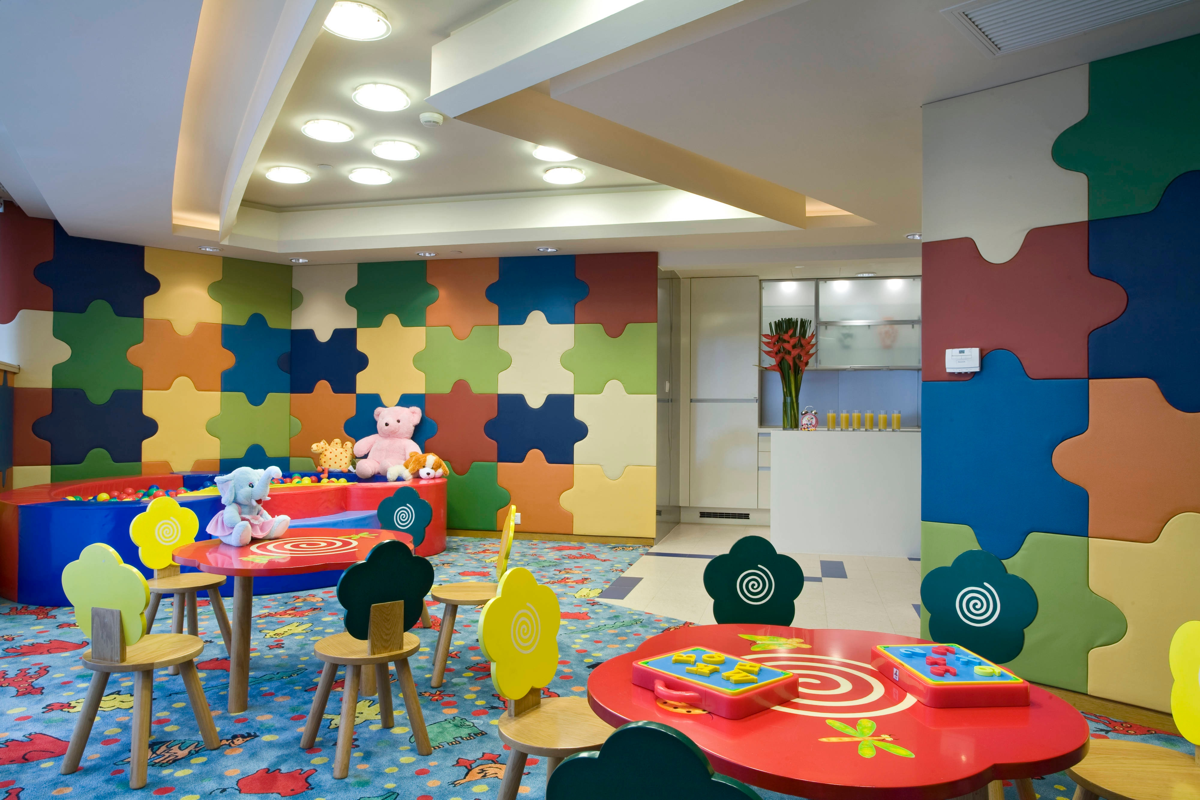 Residence - Kid s Club with Various Toys