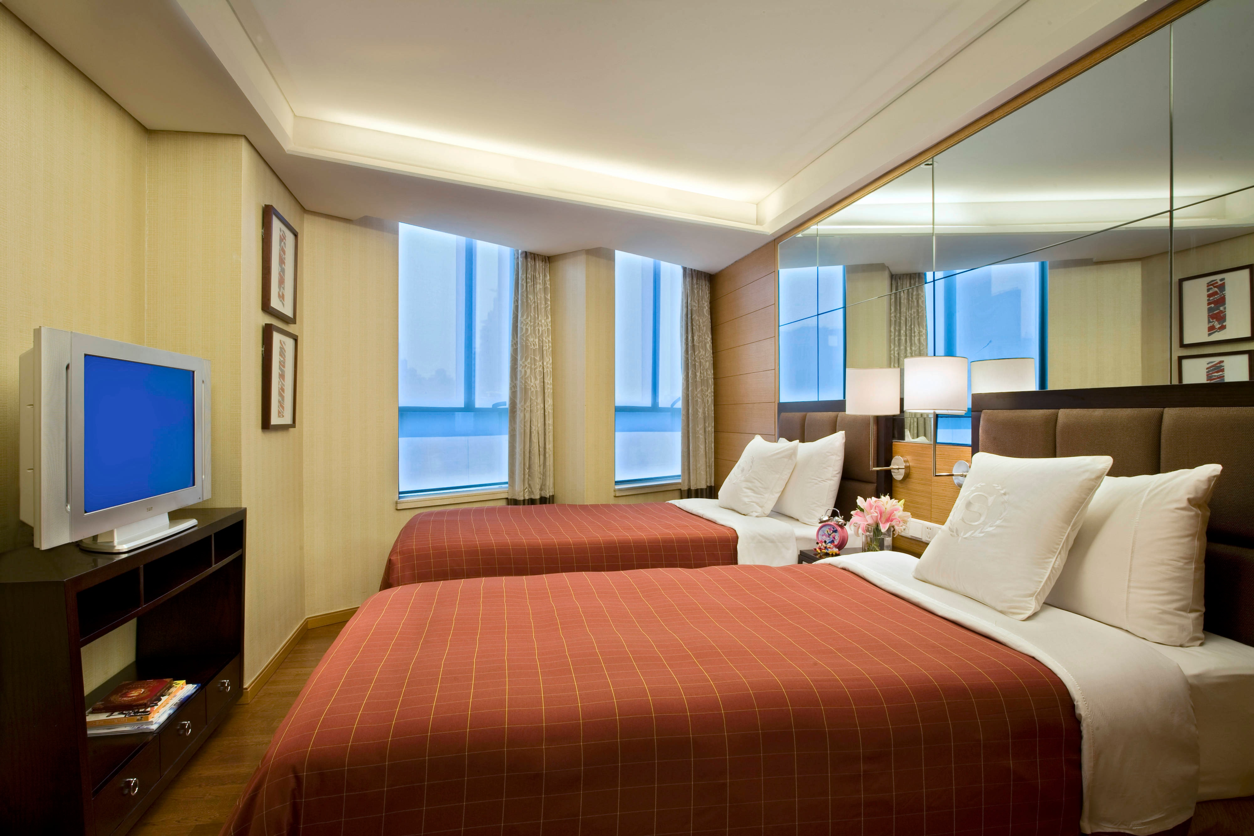 Residence - Family Suite - Twin Room with City View