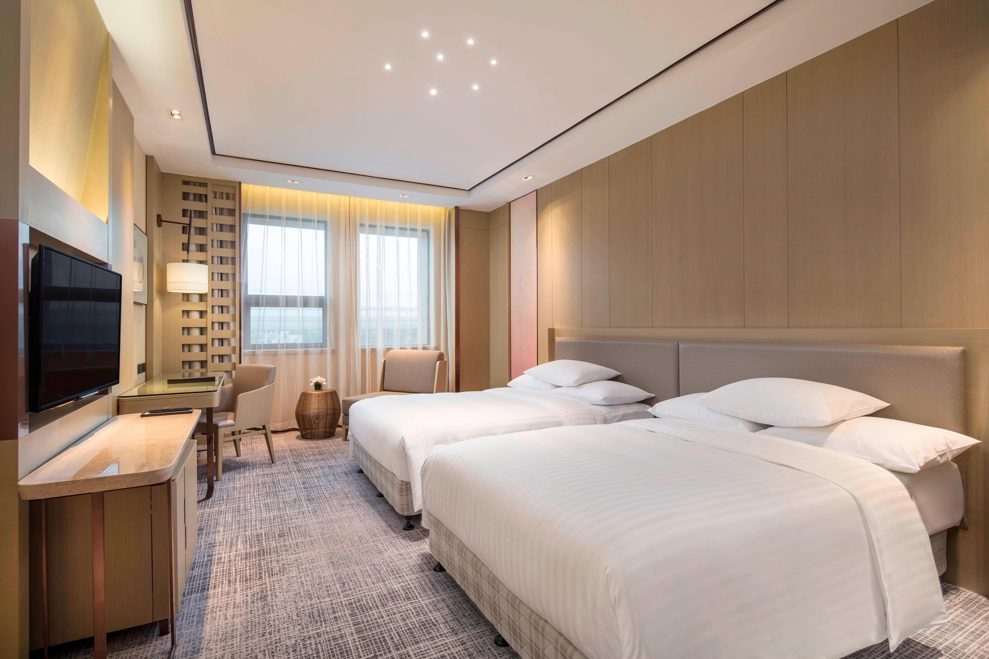 Premier Double/Double Guest Room