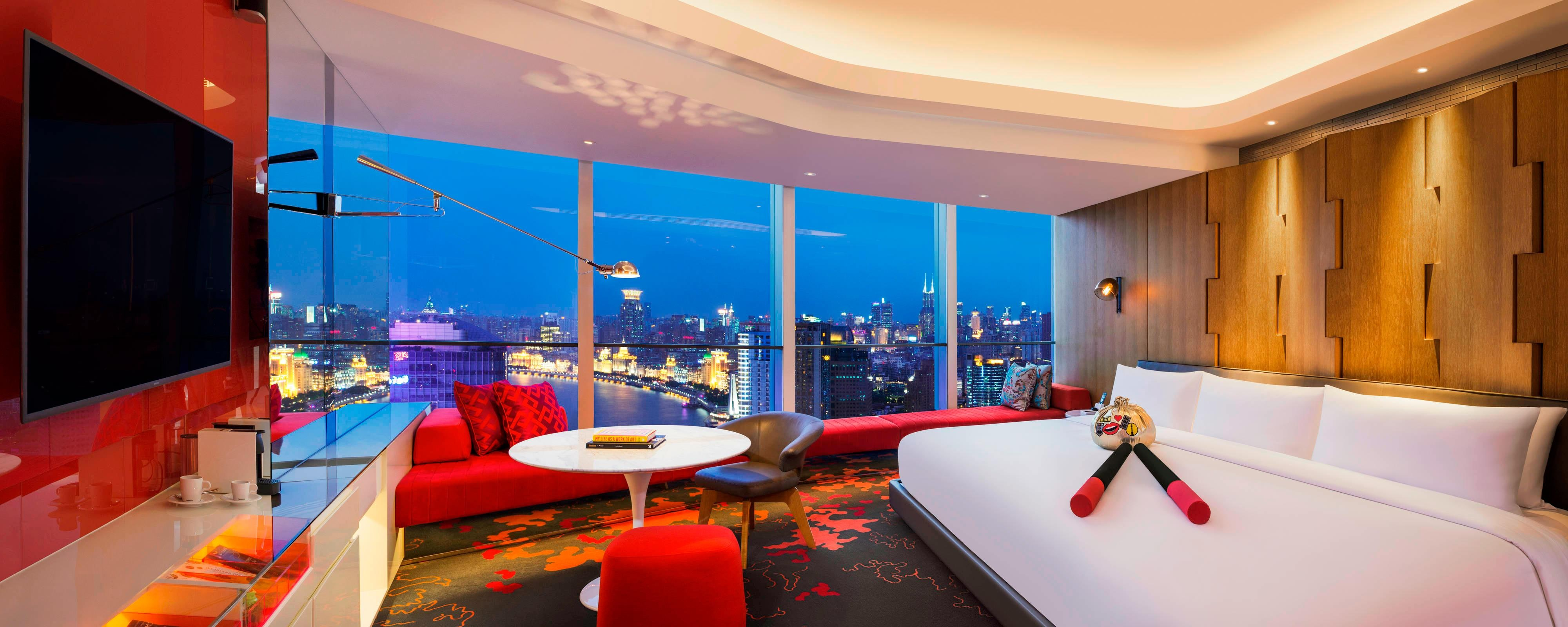 Mega Room on The Bund