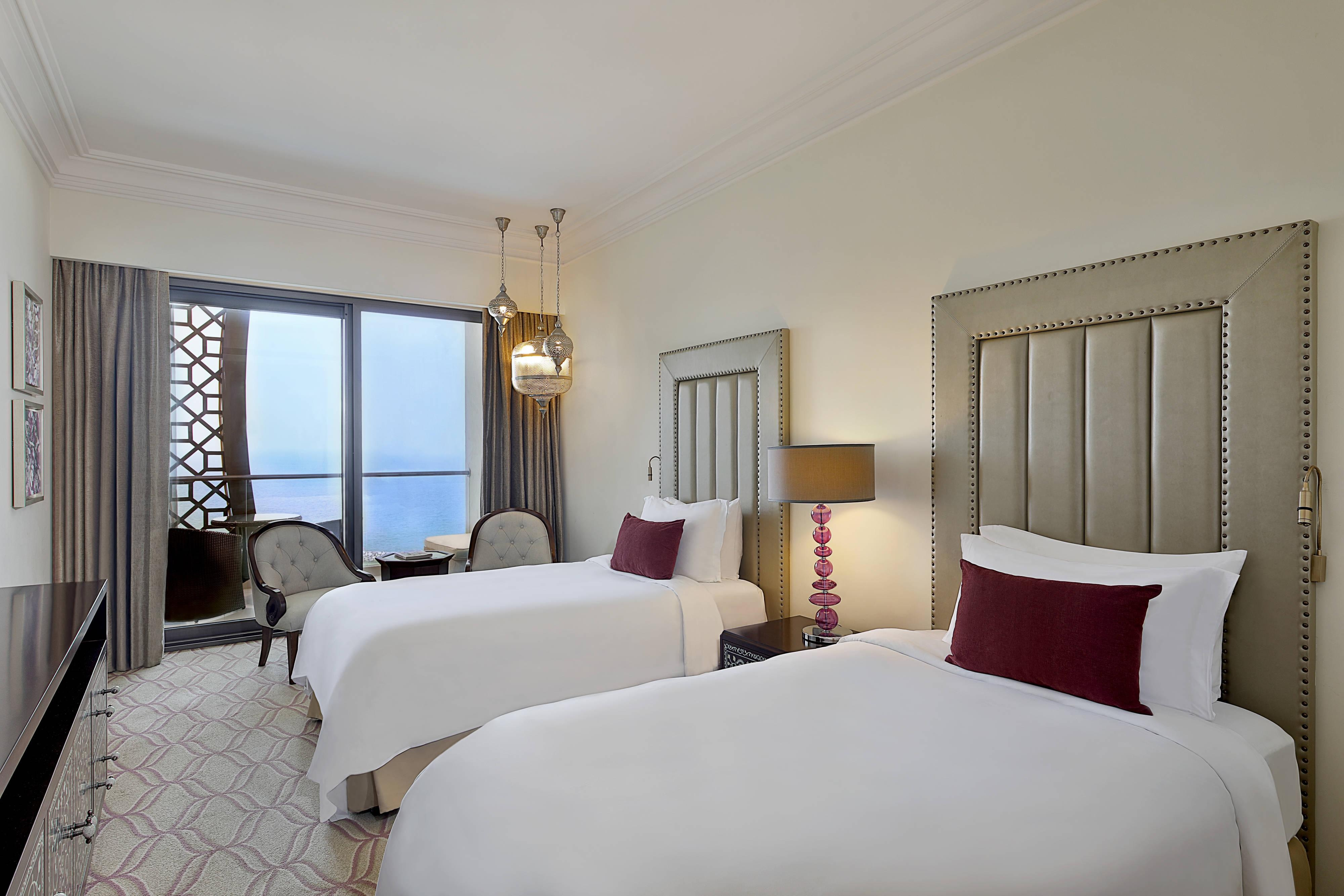 Twin Twin Deluxe Guest Room Sea View