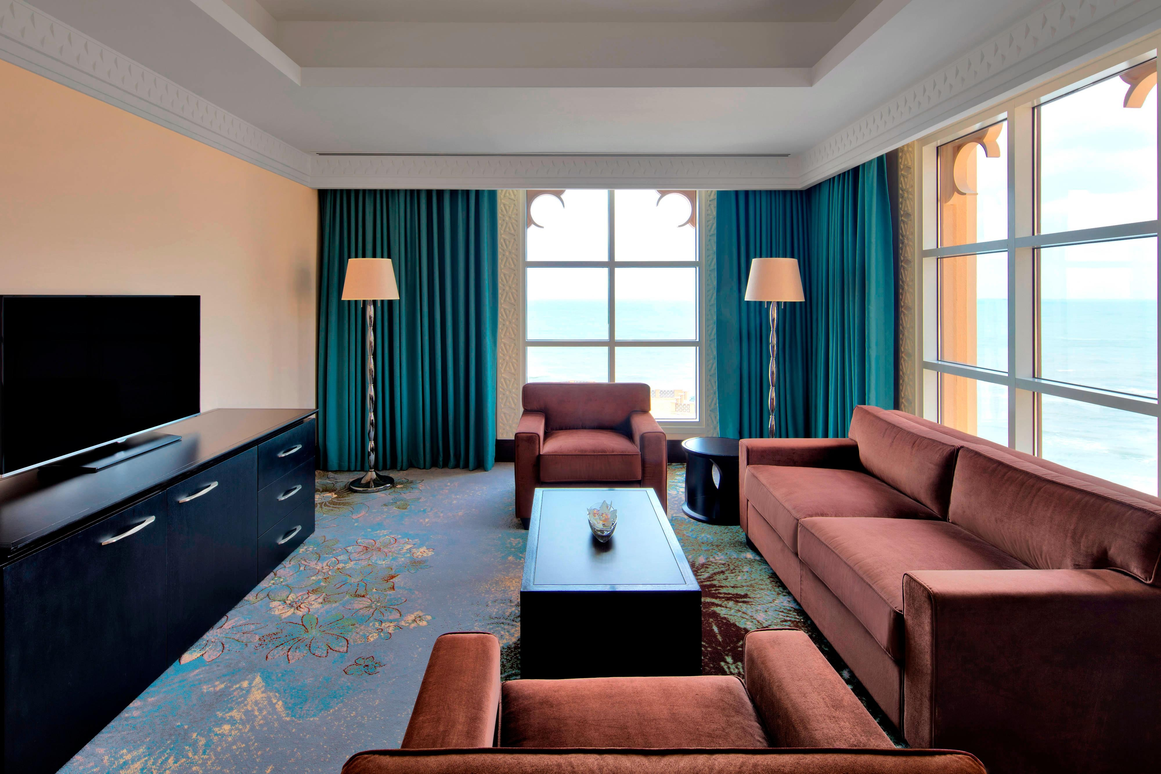 Club Executive Suite - Living Room