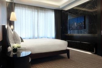 5-star Singapore hotel suite