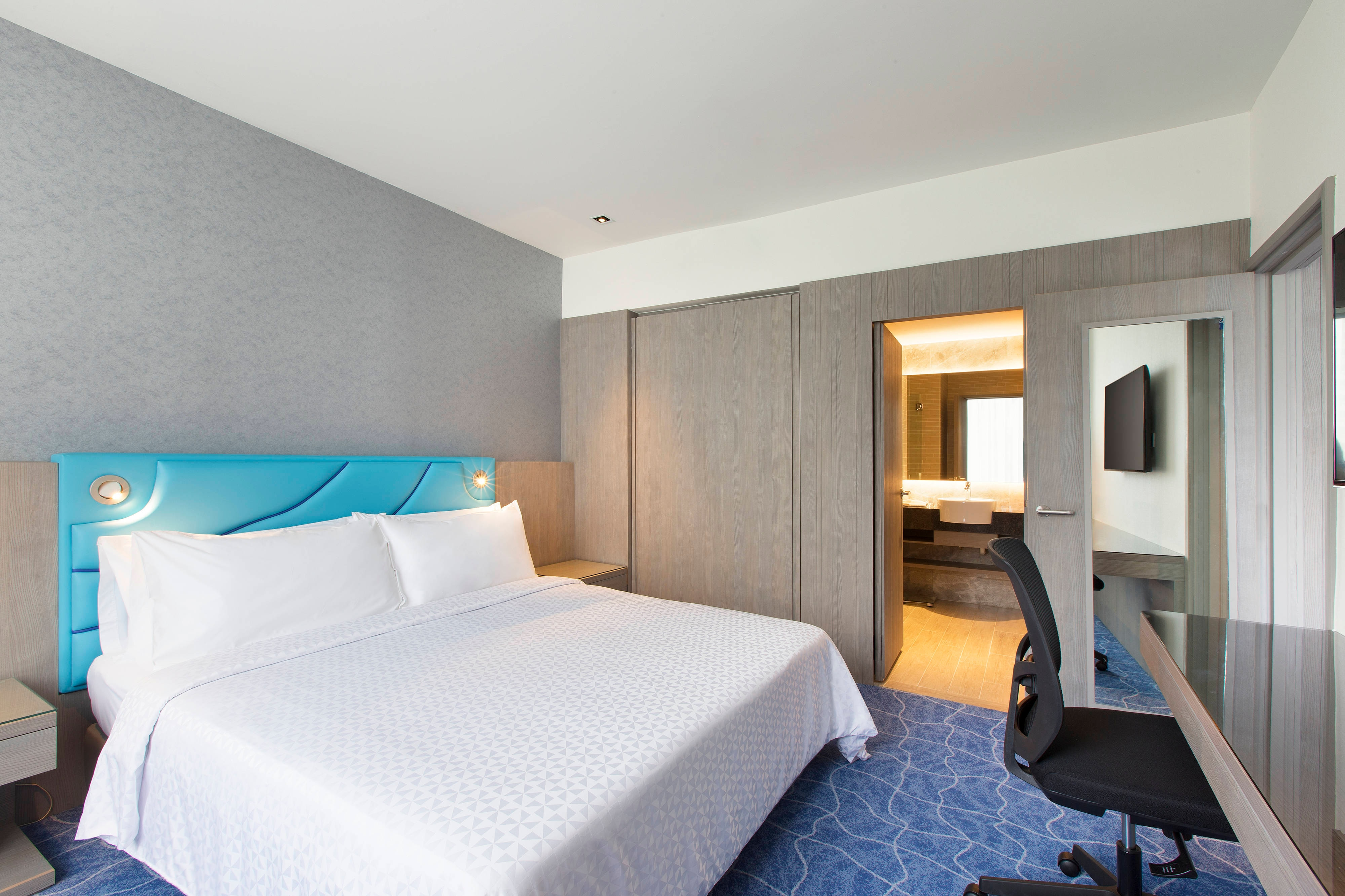 King Family City View Guest Room