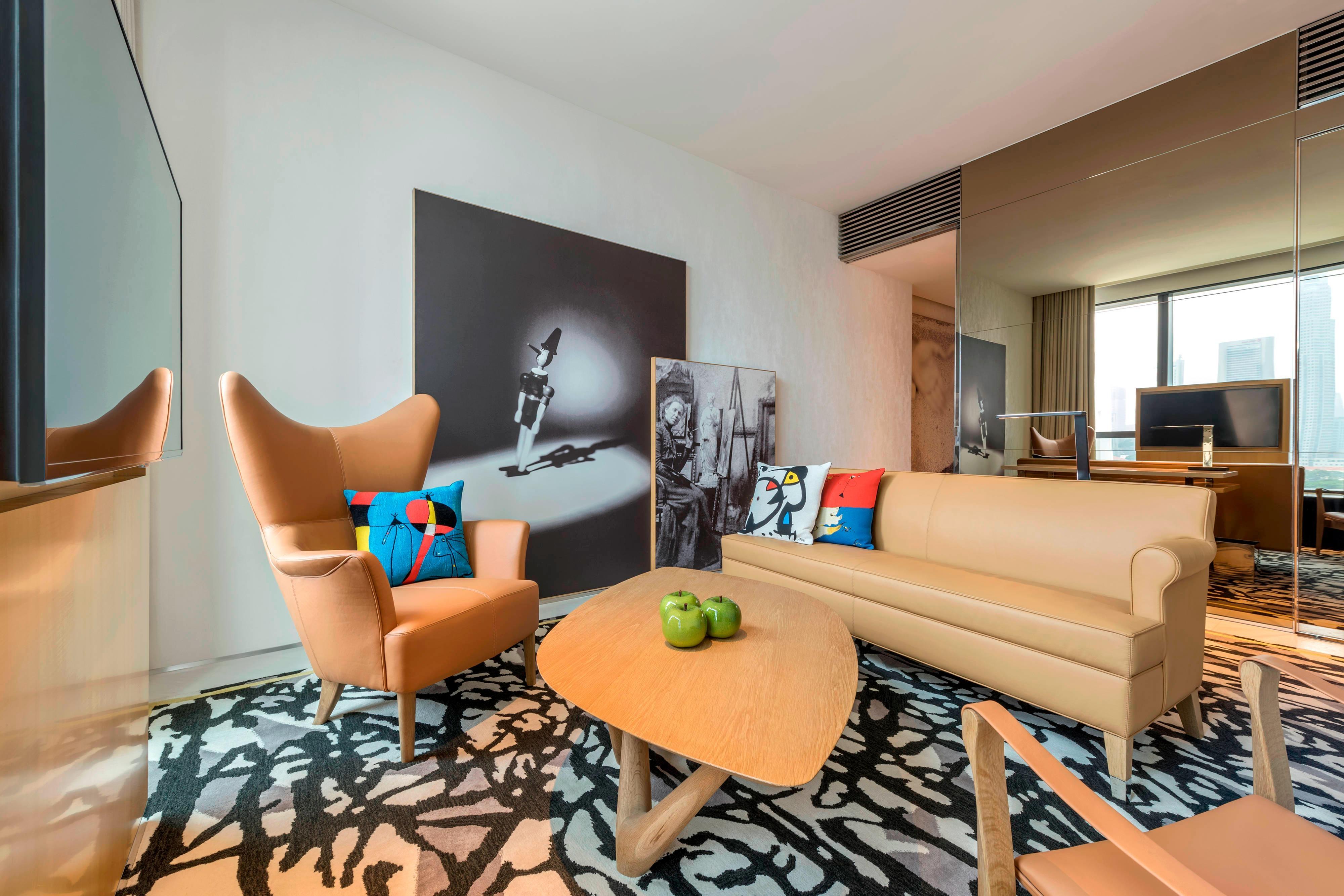 Deluxe Suite – Living Room
