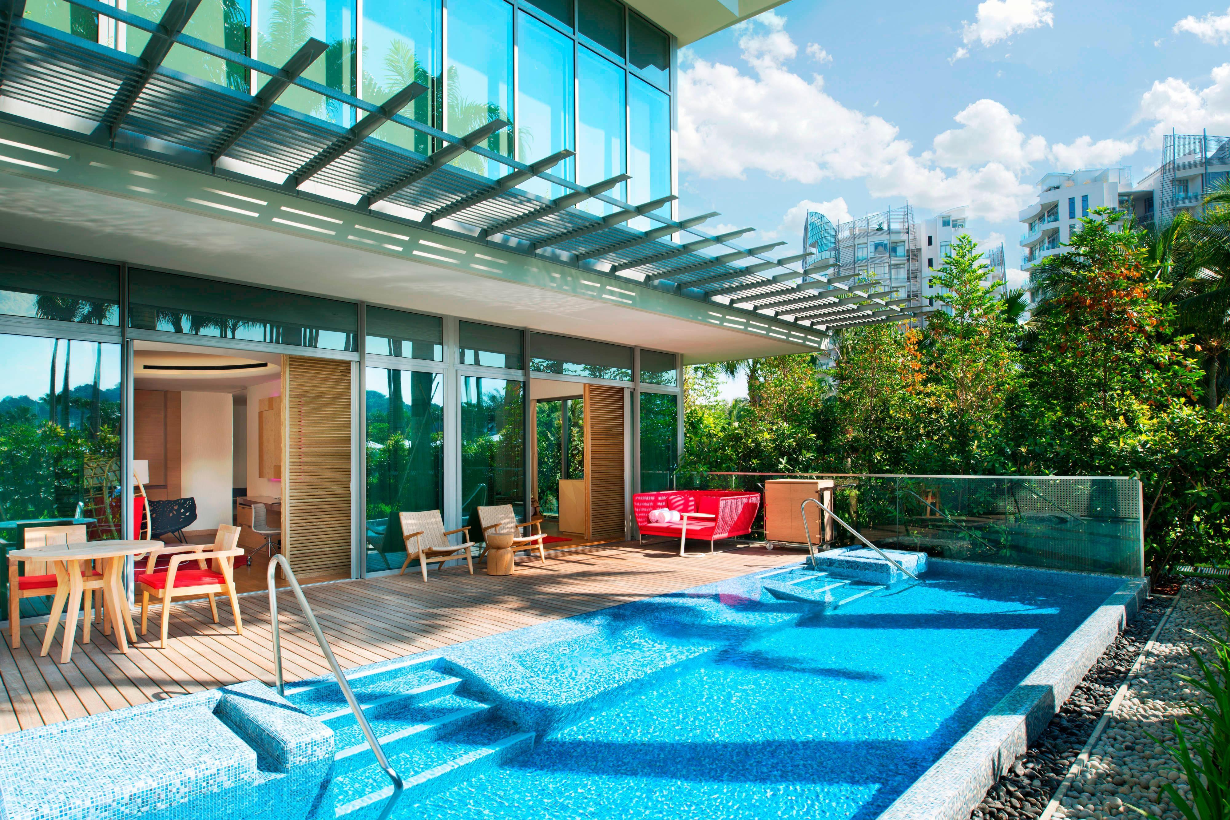 Away Suite - Pool