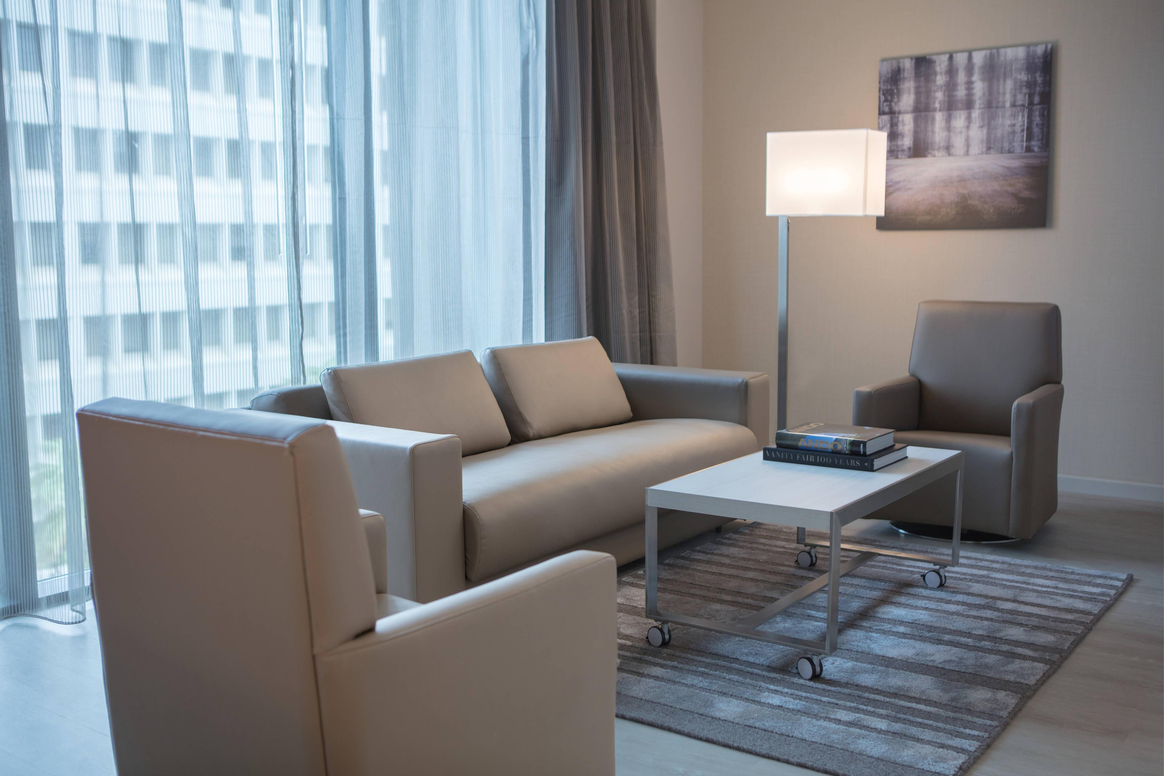 Corner Suite - Sitting Area