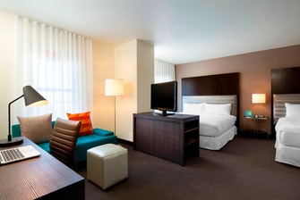 Aloft Double King Suite (with Laptop)