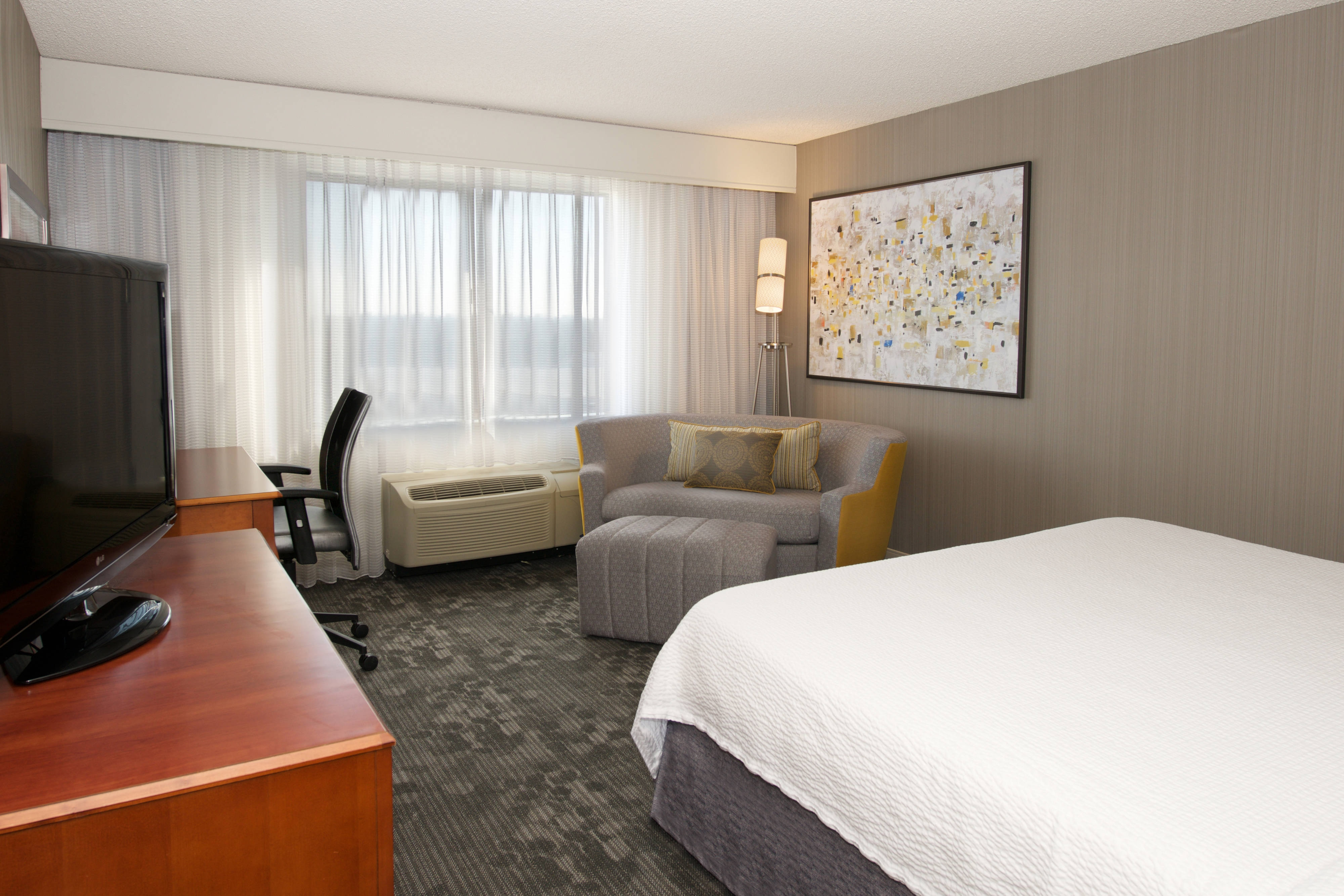 hotel suites in newark california