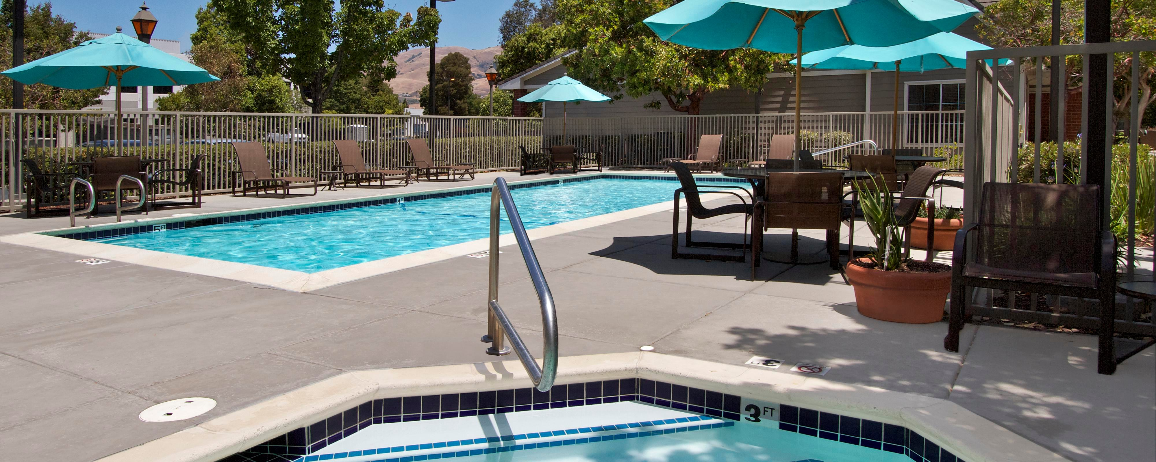Milpitas Hotel Outdoor Pool