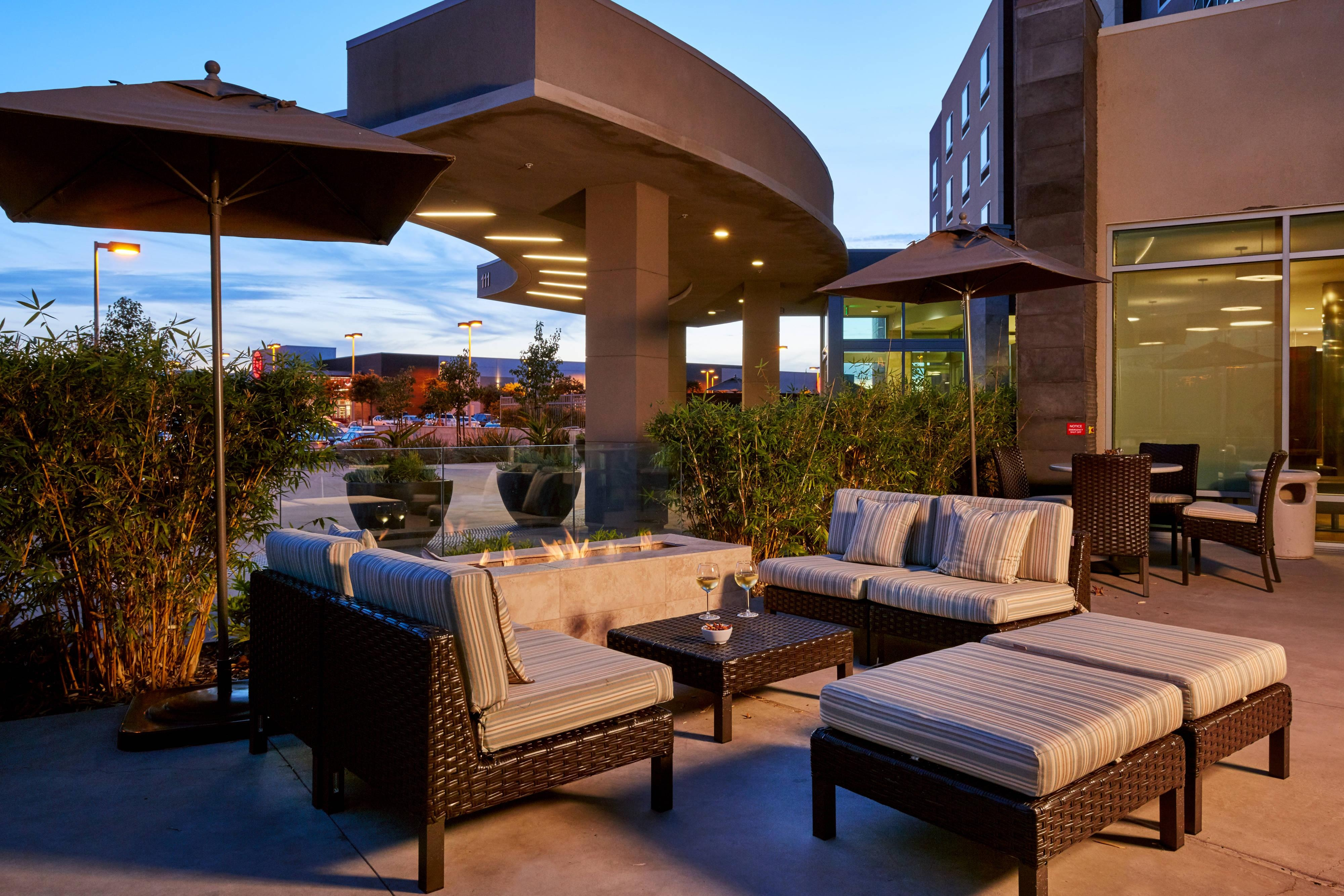 Courtyard by Marriott San Jose North/Silicon Valley Firepit