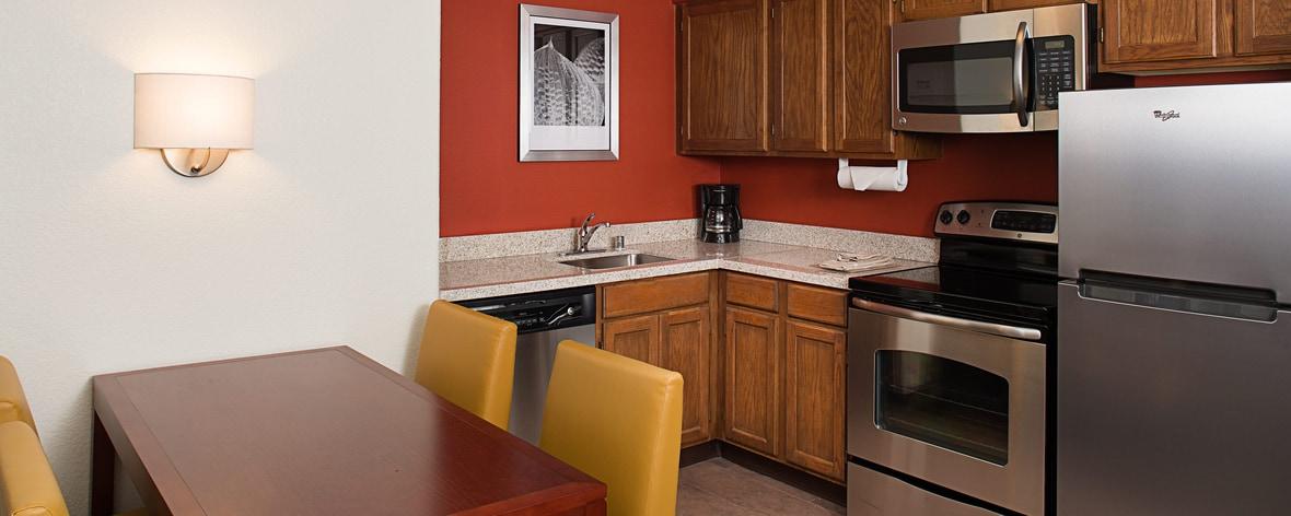 Cuisine d'une suite à deux chambres au Residence Inn