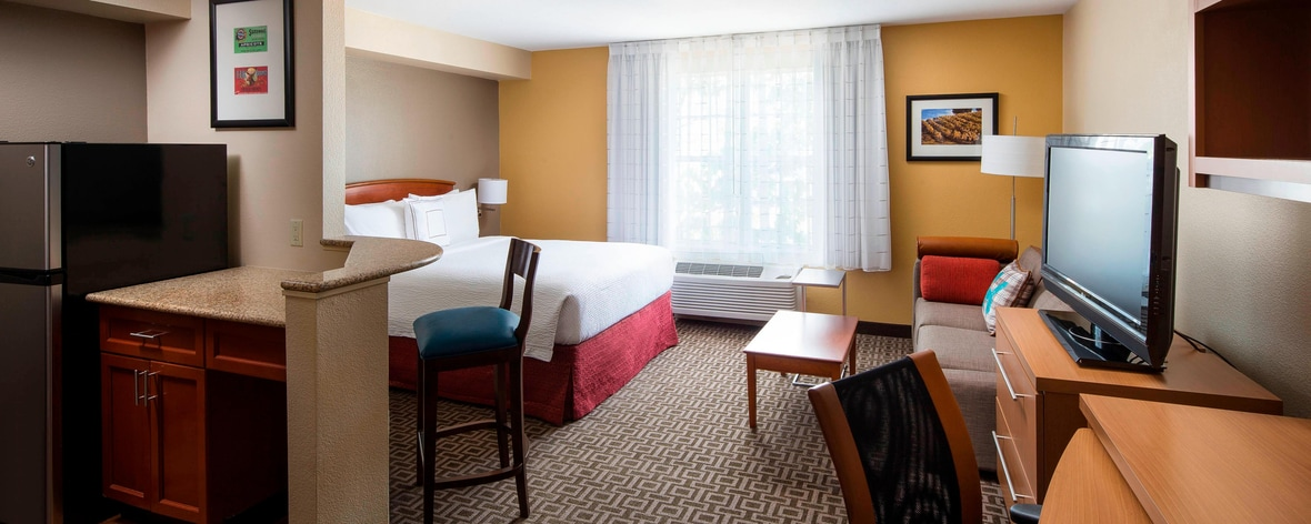 Terrific Extended Stay Milpitas Hotels Towneplace Suites Milpitas Evergreenethics Interior Chair Design Evergreenethicsorg