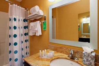 TownePlace Suites Studio Bathroom