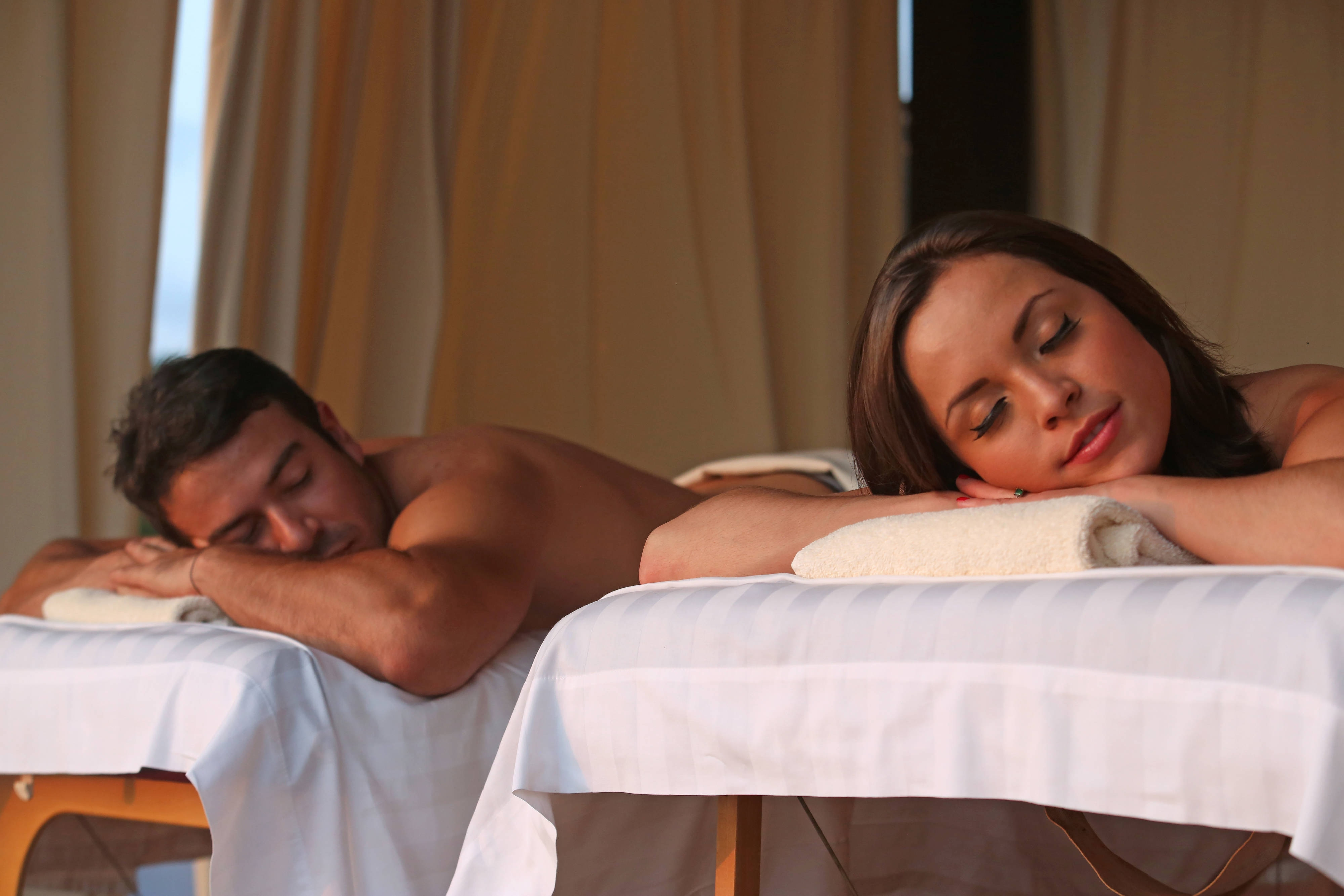 Guanacaste spa outdoor couple's massage