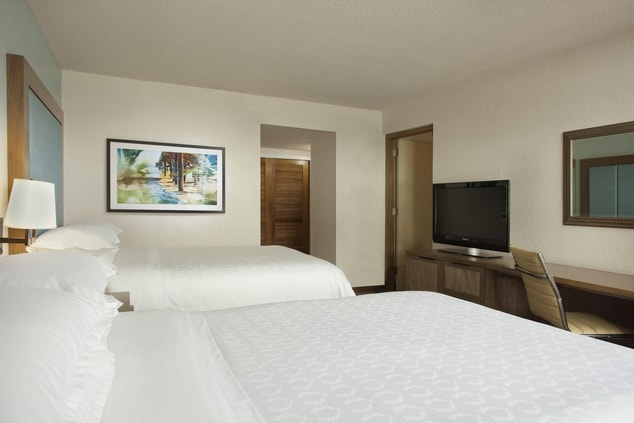 Guest Room Traditional Double Beds