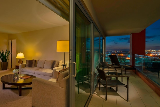 BayView Suite - Balcony