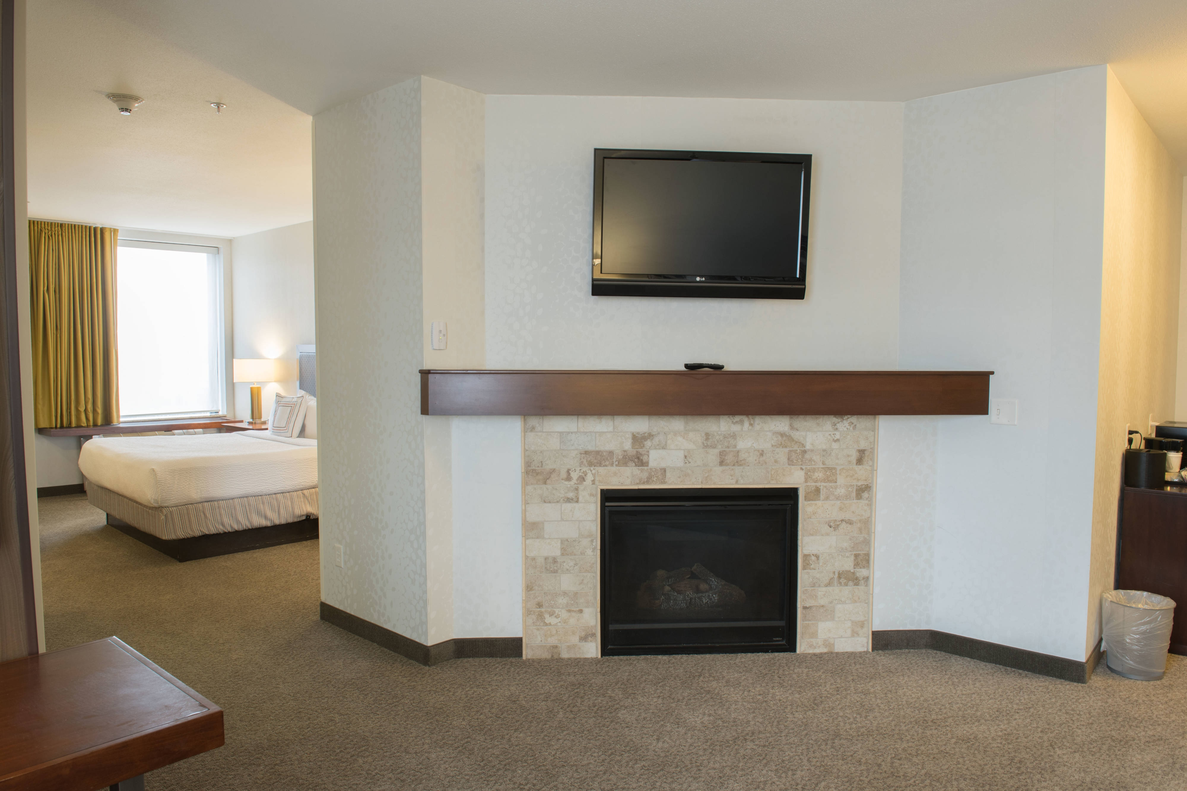 Whirlpool Suite - Fireplace