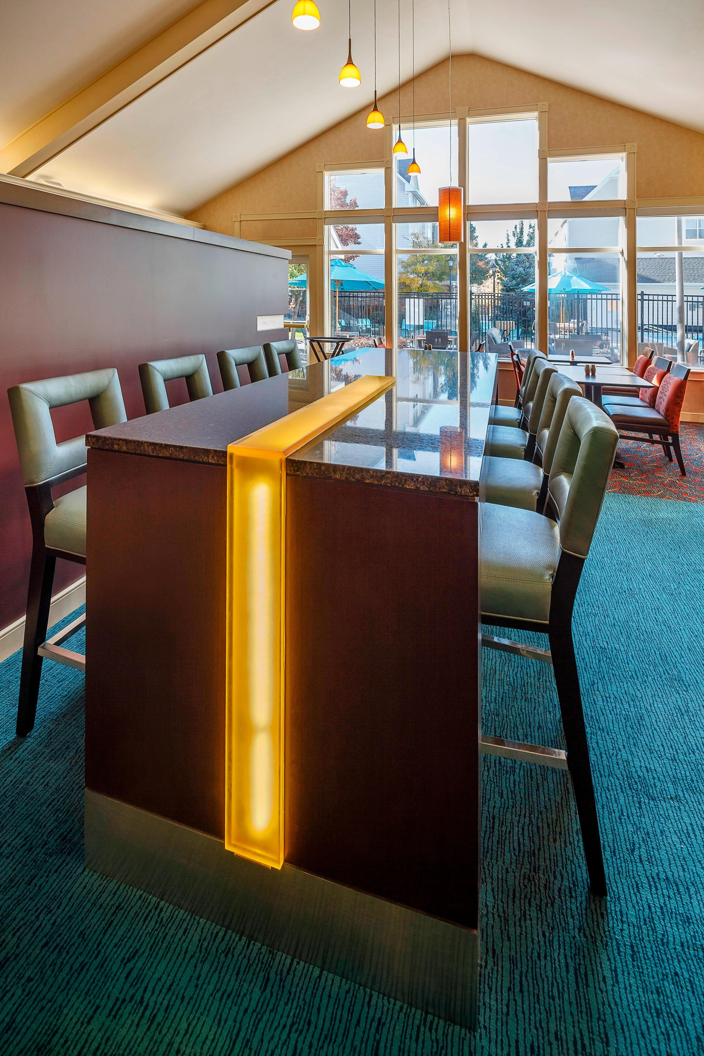 Residence Inn Salt Lake City Cottonwood Communal Table