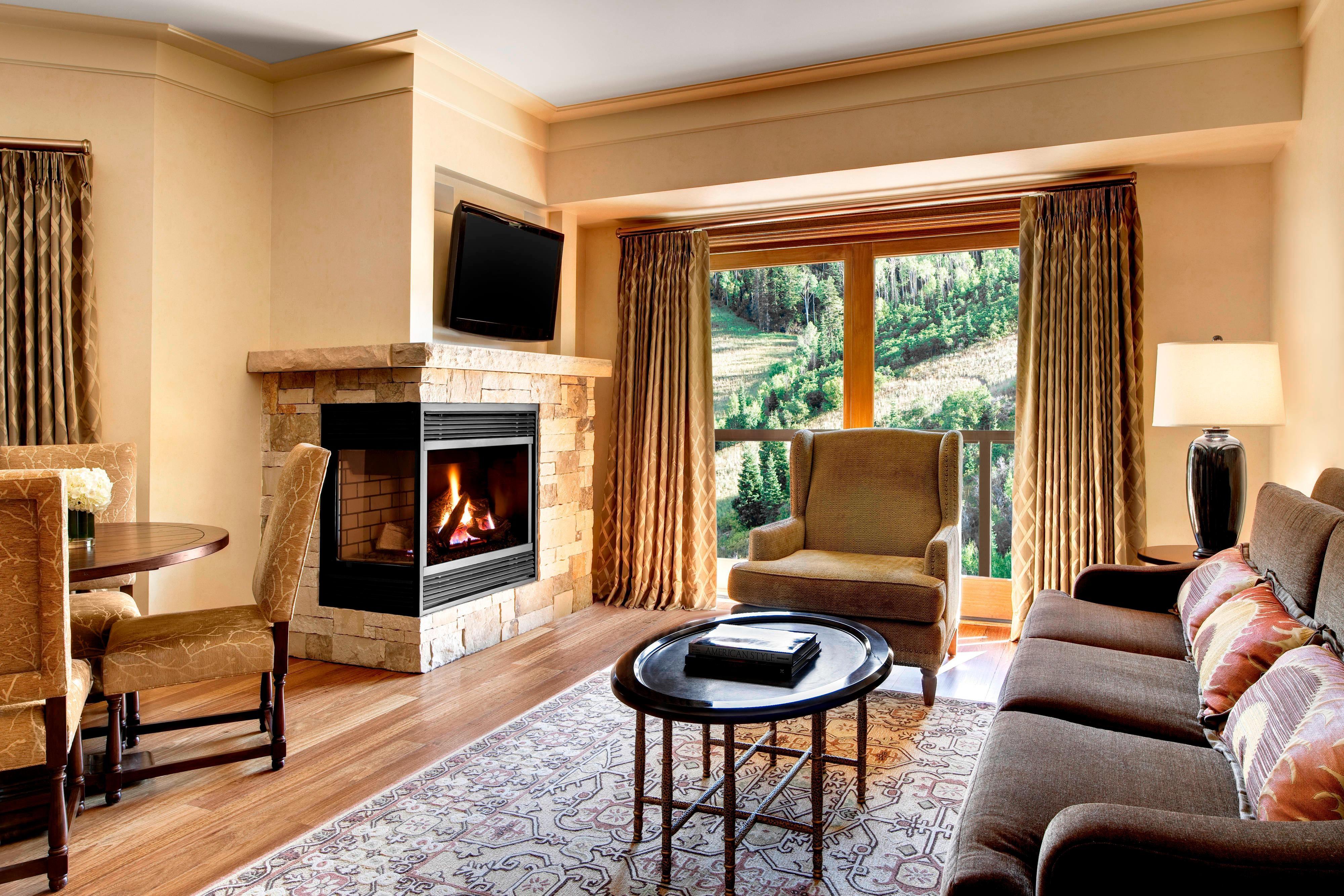 Astor Suite - Living Area