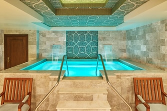 Remede Spa Jacuzzi