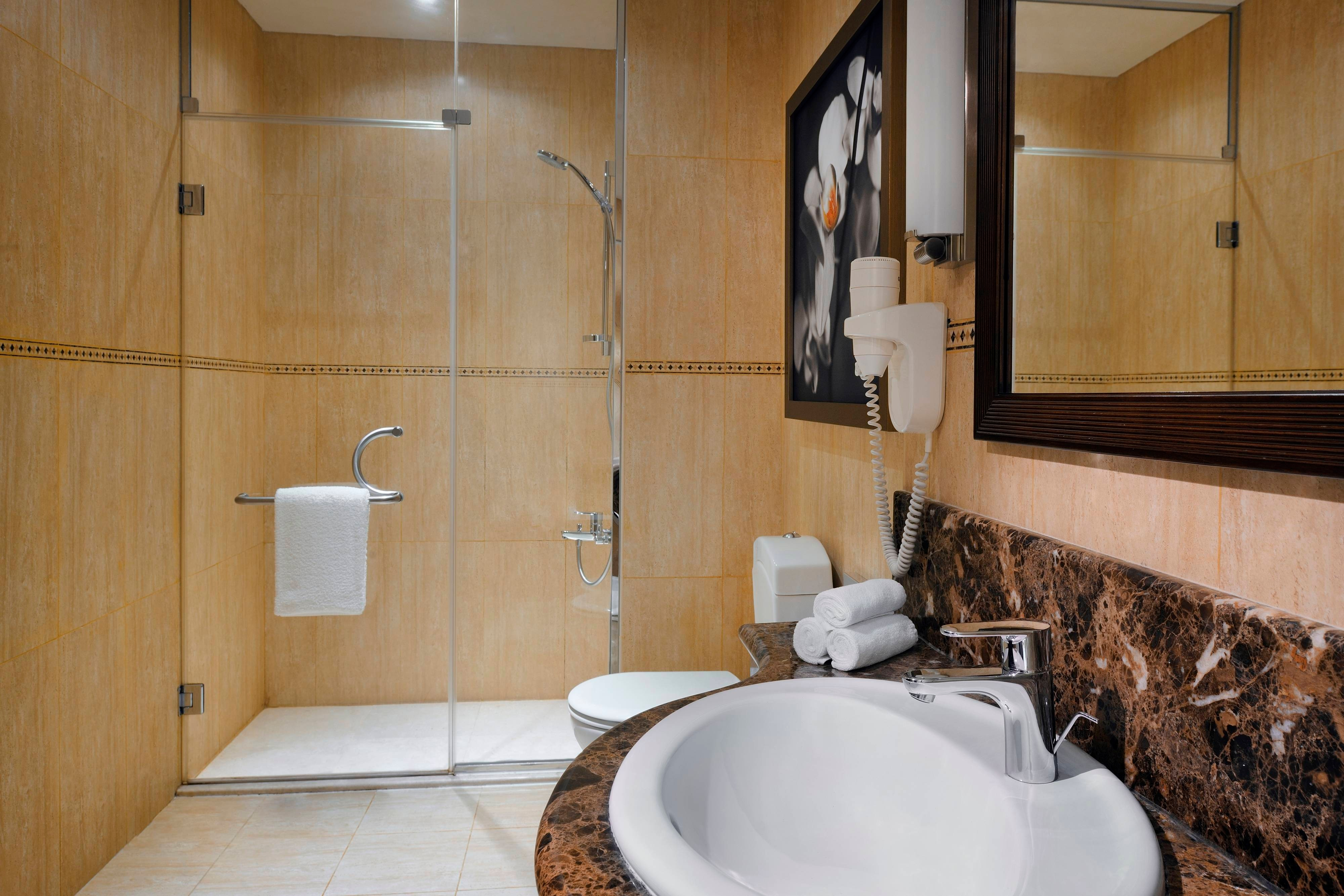 Marriott Salalah Hotel Bathroom