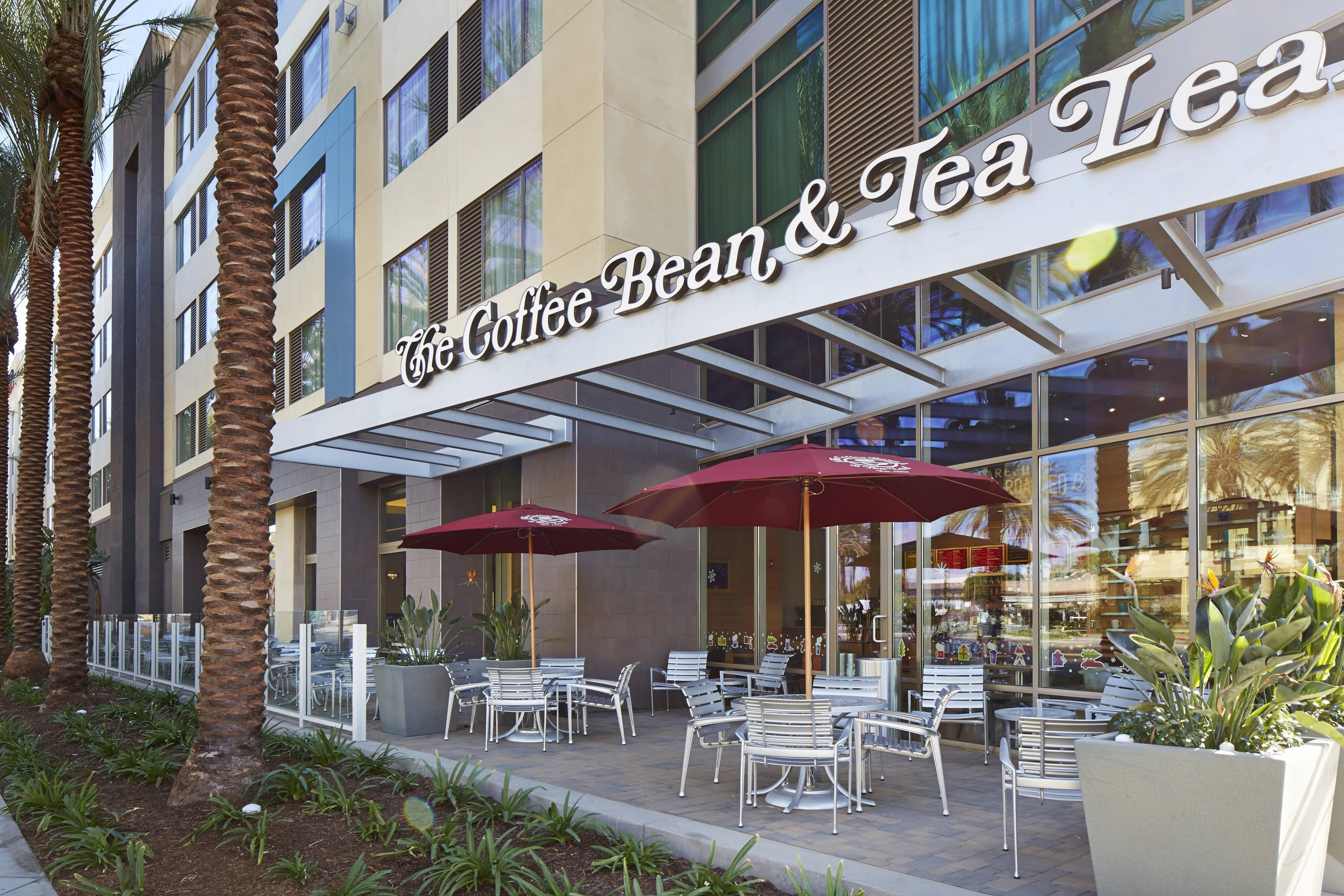The Coffee Bean & Tea Leaf del hotel SpringHill Suites