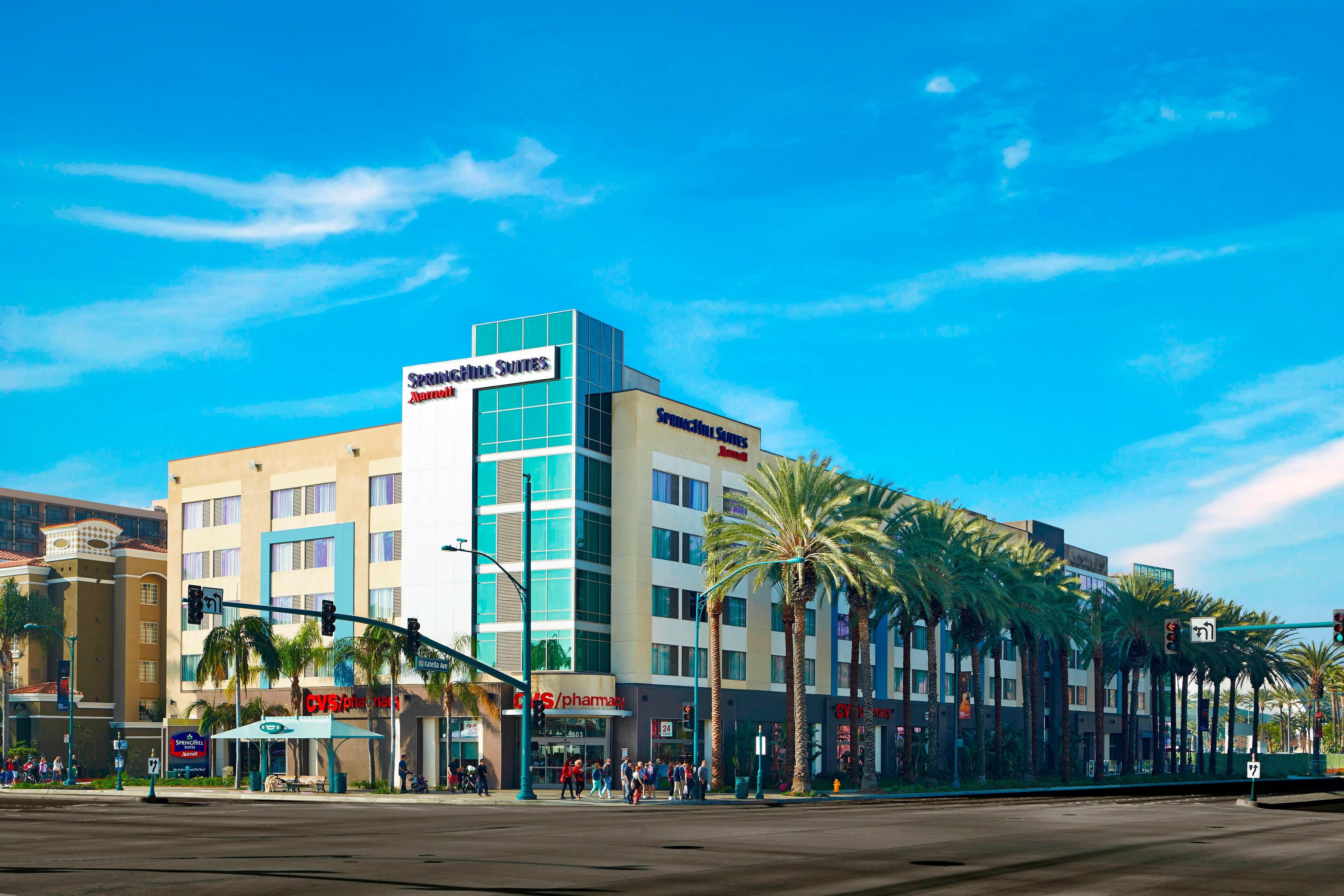 Springhill Suites at Anaheim Resort/Convention Center Hotel Exterior Day View