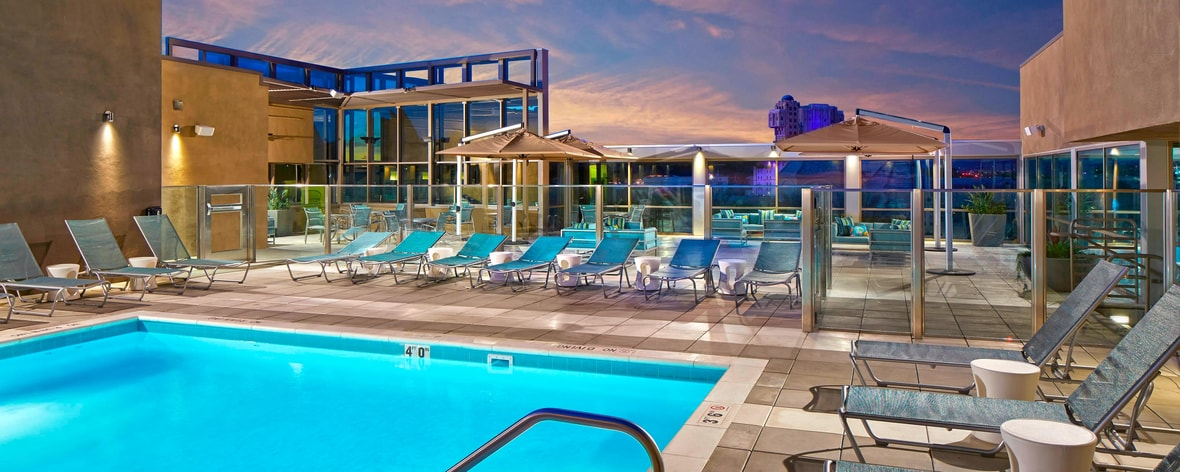 Rooftop Pool Springhill Suites at Anaheim Resort/Convention Center