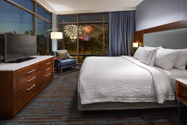 Springhill Suites at Anaheim Resort/Convention Center Corner Studio King.