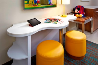 Task Desk Springhill Suites at Anaheim Resort/Convention Center Kids Suite