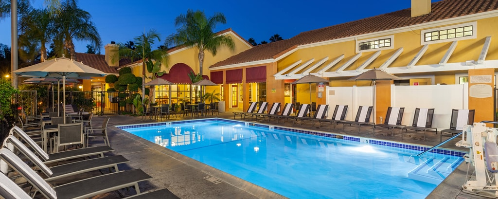 Residence Inn Anaheim Maingate Outdoor Pool