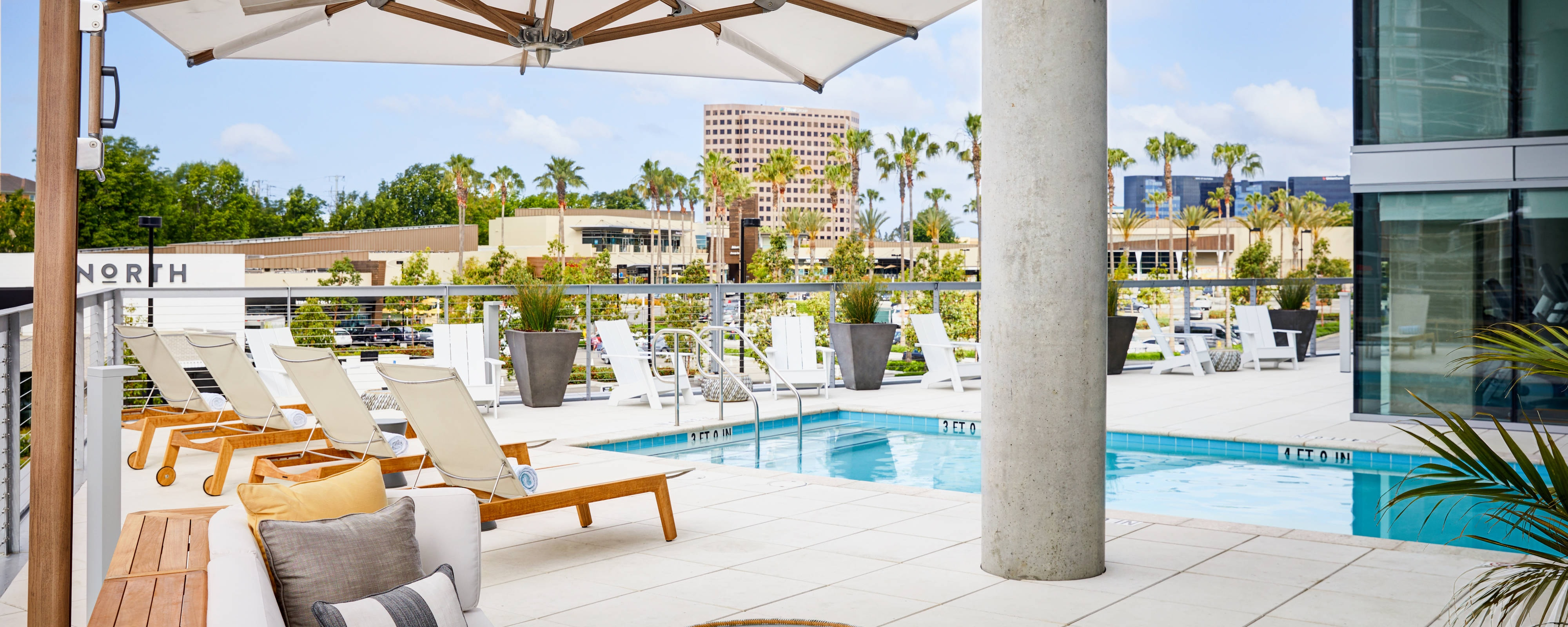 Fitness center and outdoor hotel pools in irvine ca ac - Menzies hotel irvine swimming pool ...