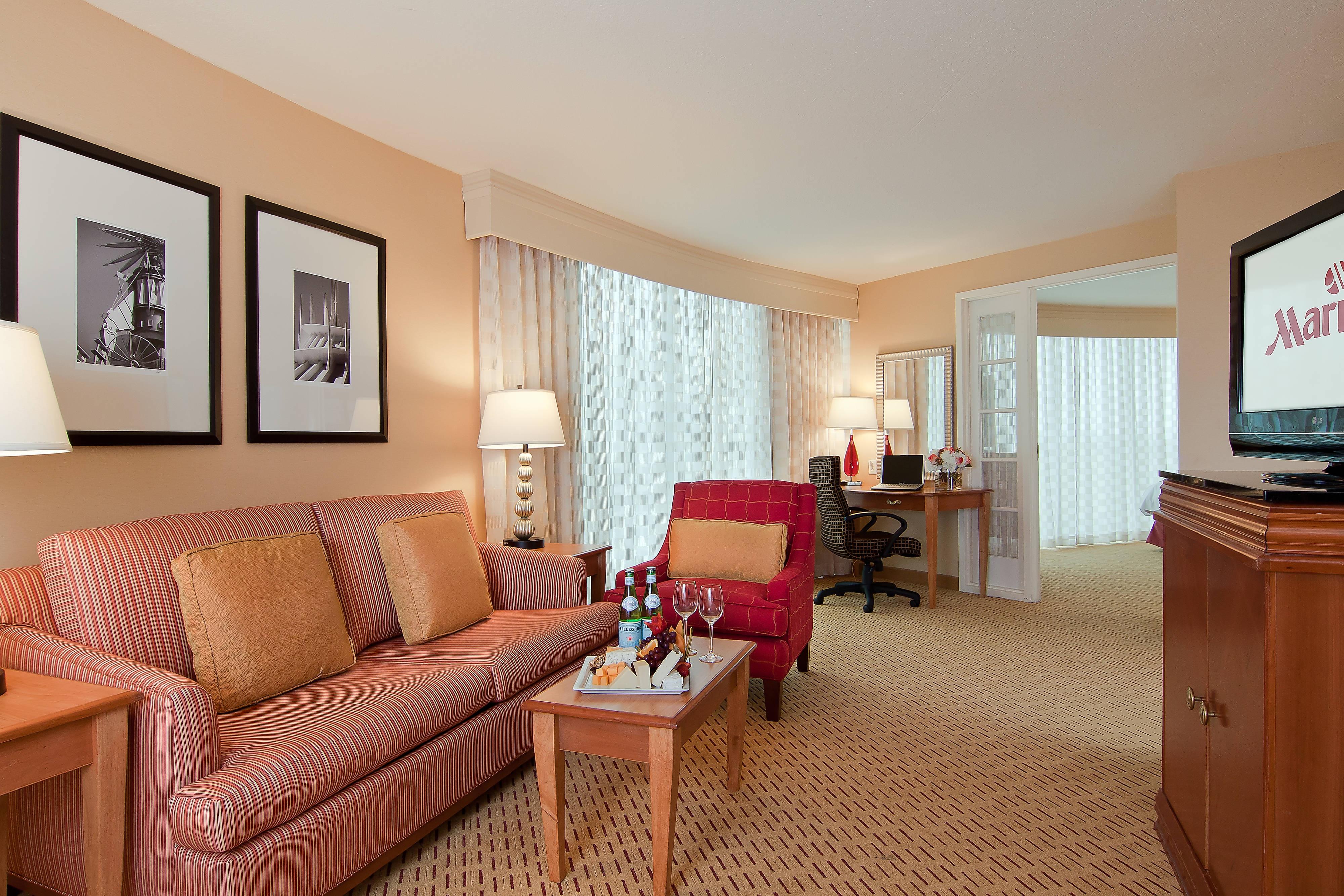 Anaheim Hotel Anaheim Marriott Suites Guest Room