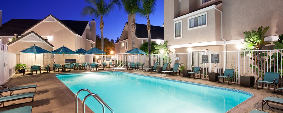 Extended stay irvine spectrum hotels california - Menzies hotel irvine swimming pool ...