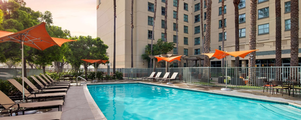 Hotels in irvine ca residence inn irvine john wayne - Menzies hotel irvine swimming pool ...