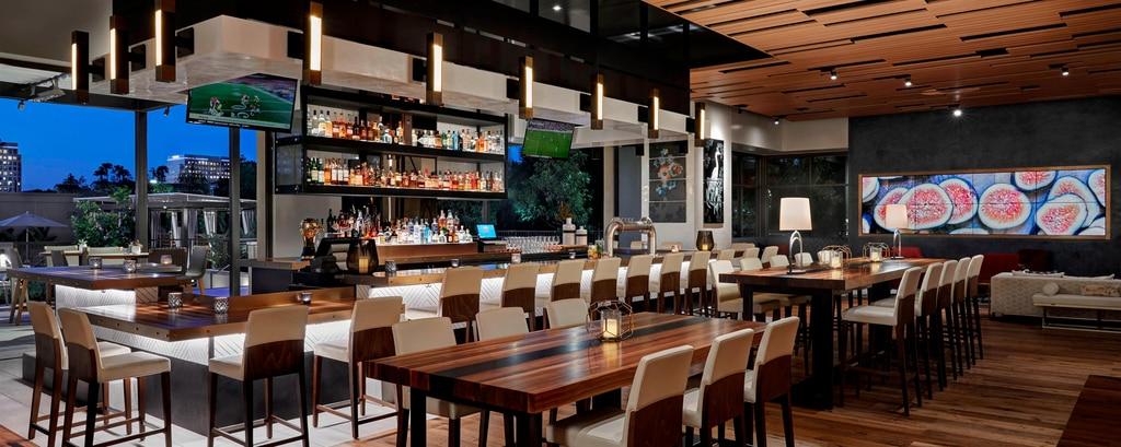 Irvine Restaurant Rooftop Bar Marriott Irvine Spectrum