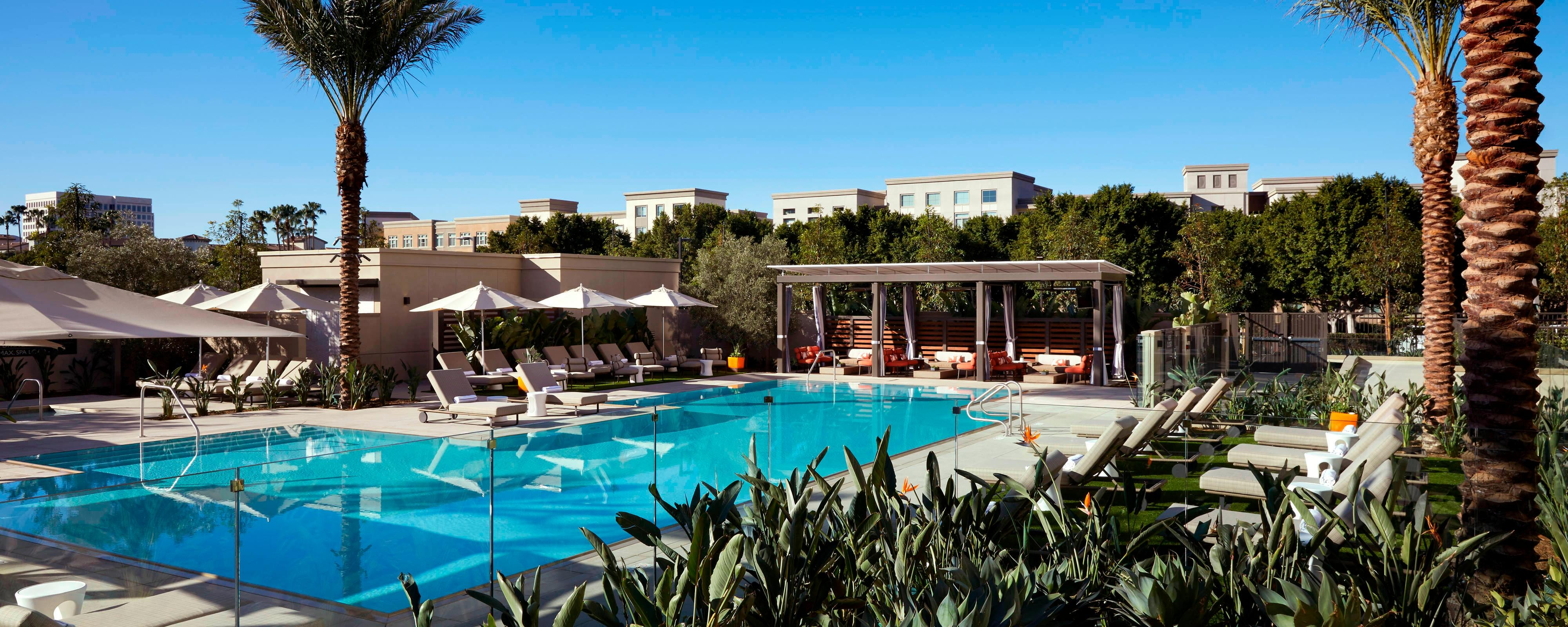 Irvine hotel with pool gym marriott irvine spectrum - Menzies hotel irvine swimming pool ...