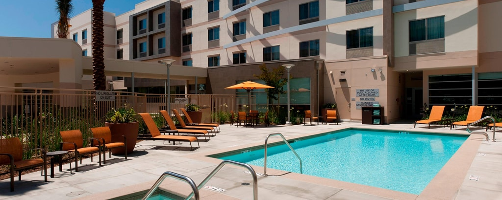 Outdoor Pool - Orange County hotels