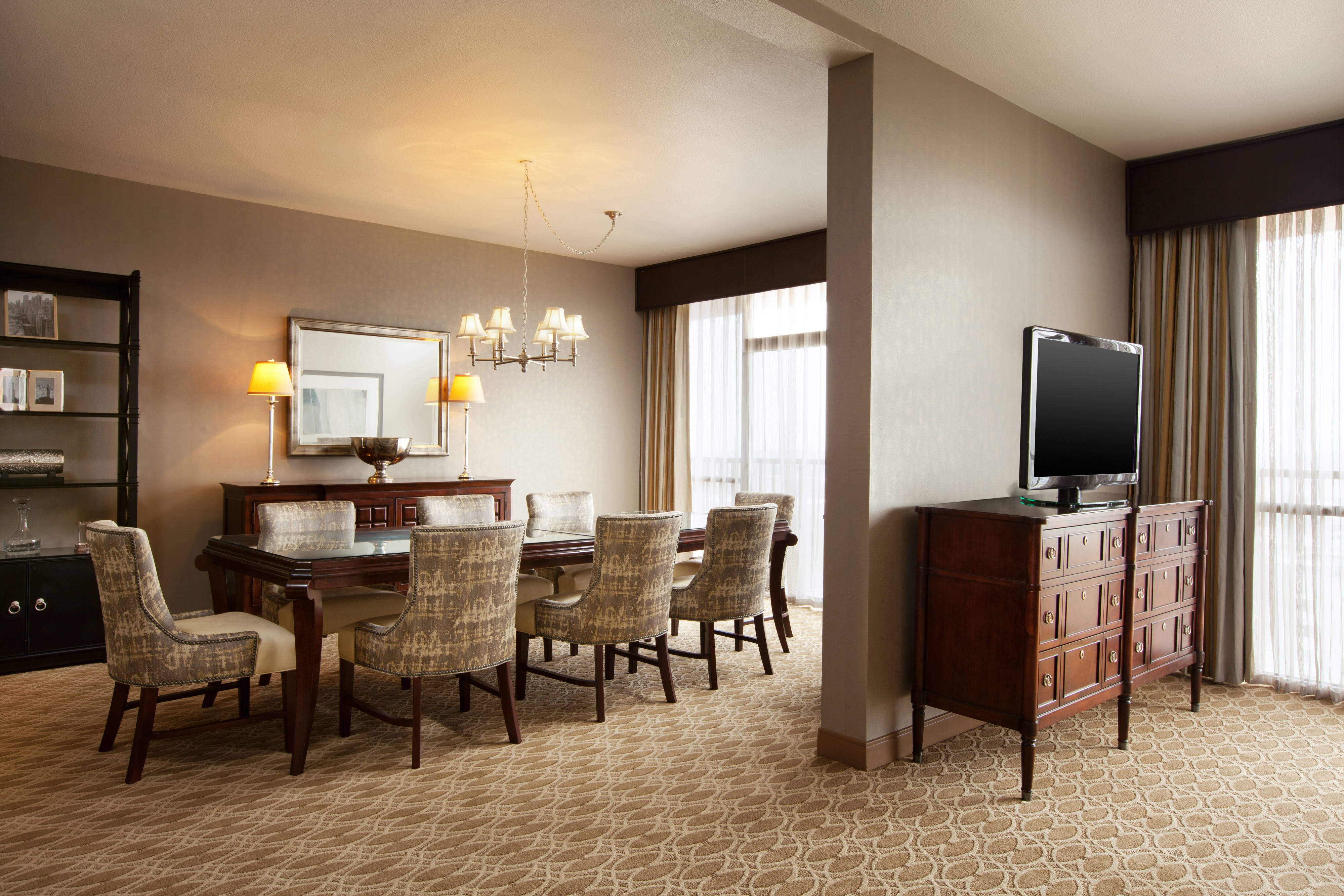 Suite - Dining Space