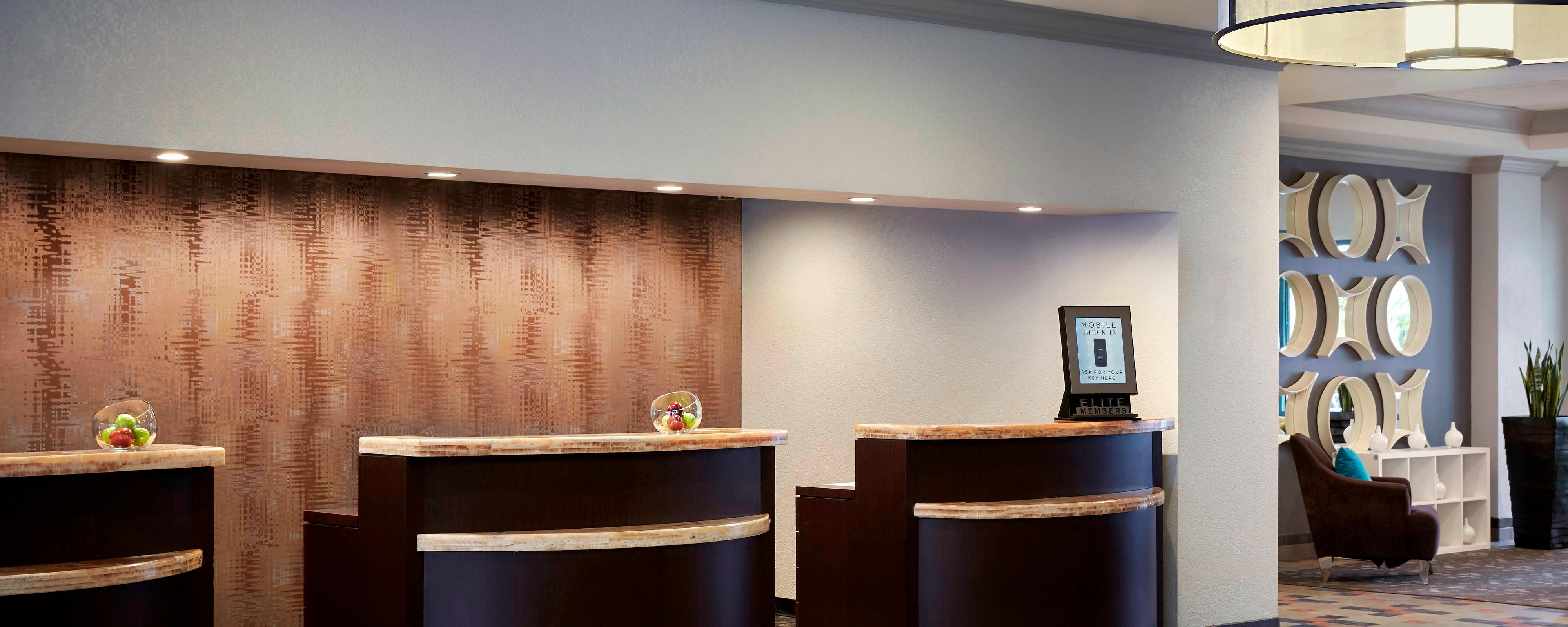 Costa Mesa Marriott Front Desk