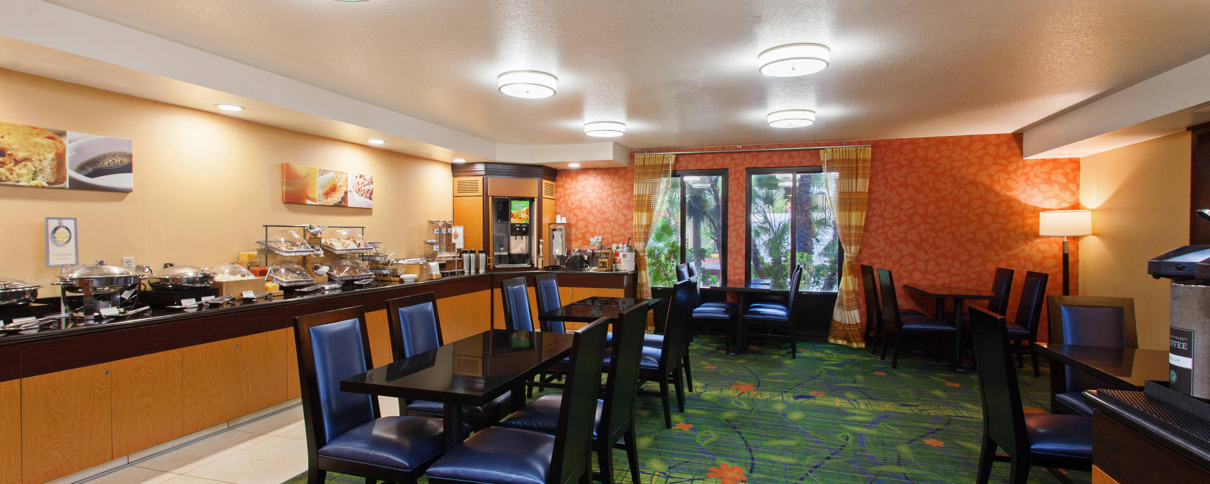 mission viejo hotel restaurants fairfield inn mission. Black Bedroom Furniture Sets. Home Design Ideas