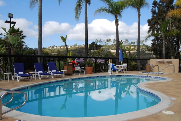 Outdoor Pool & Spa