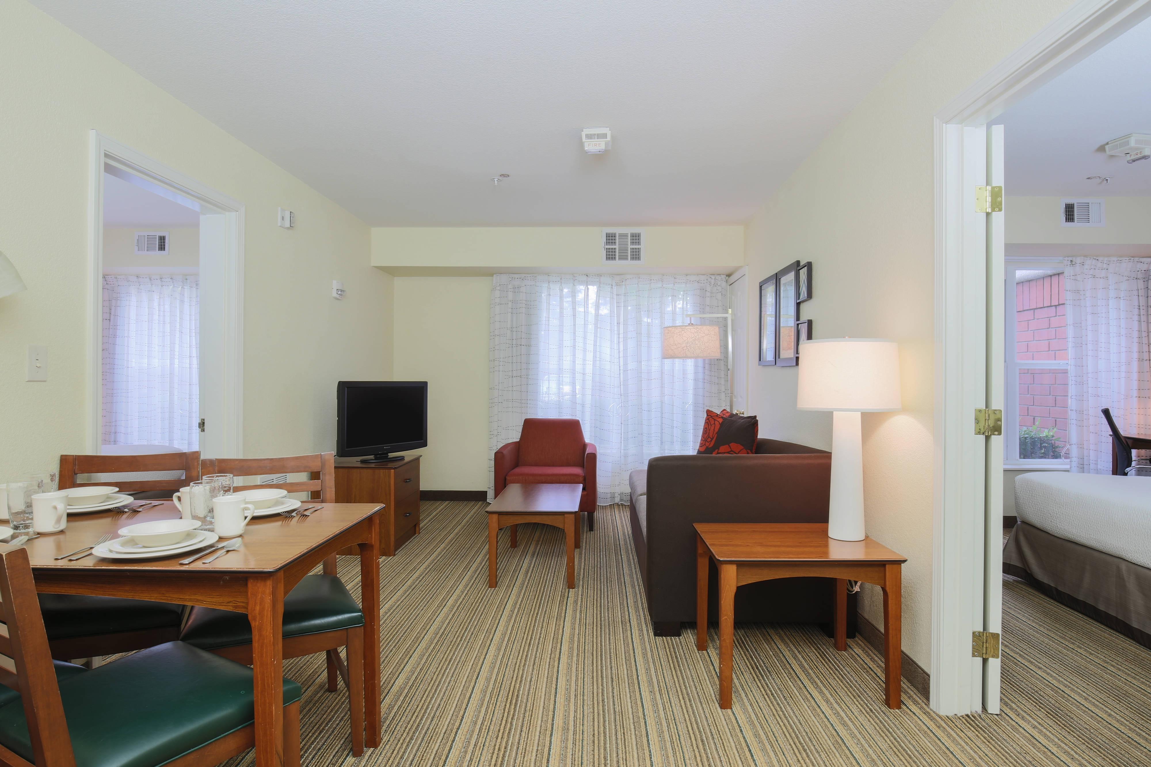 Residence inn salinas monterey salinas hotel near monterey for Monterey hotels 2 bedroom suites